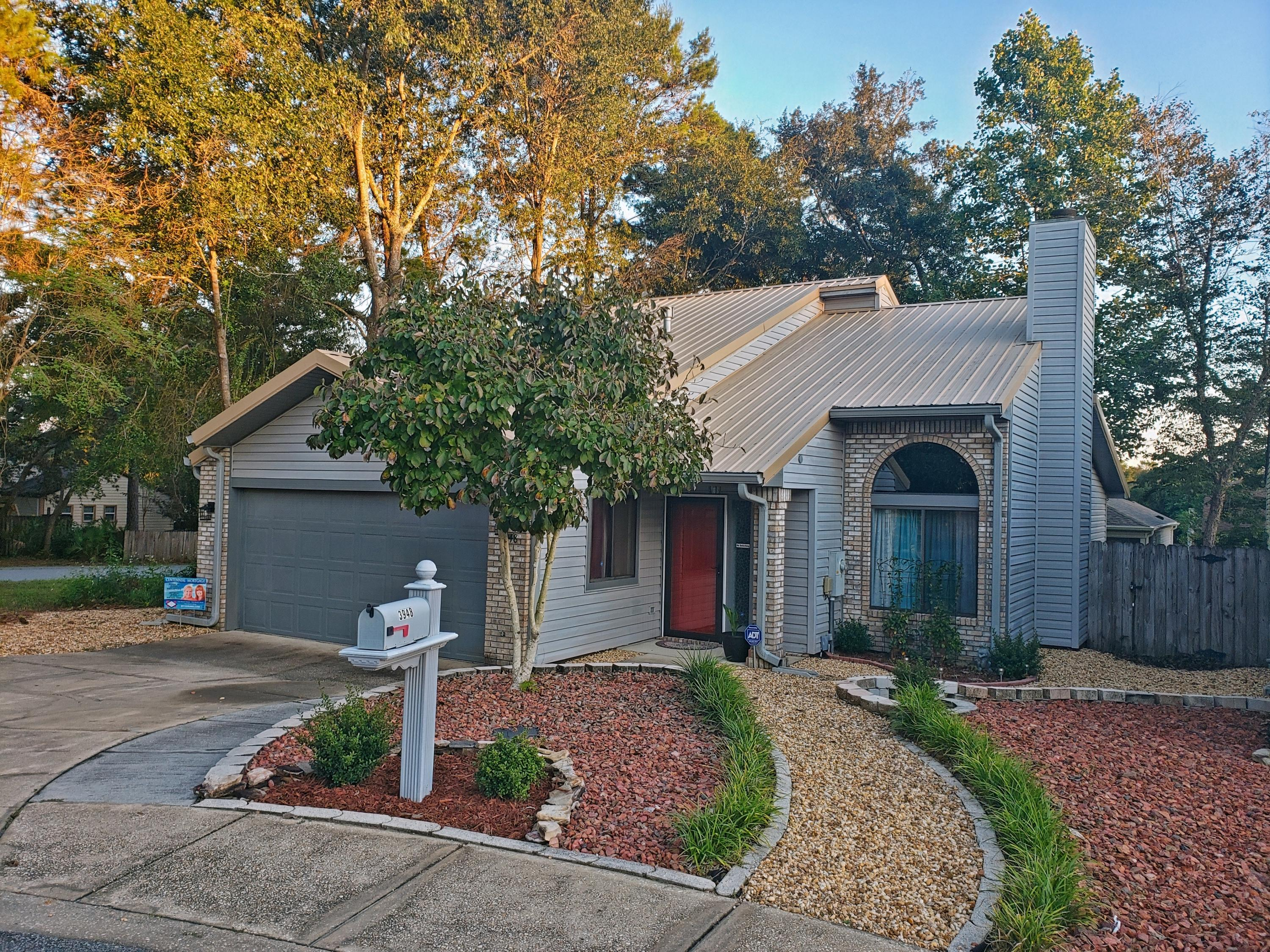 Photo of home for sale at 3948 Balsam, Niceville FL