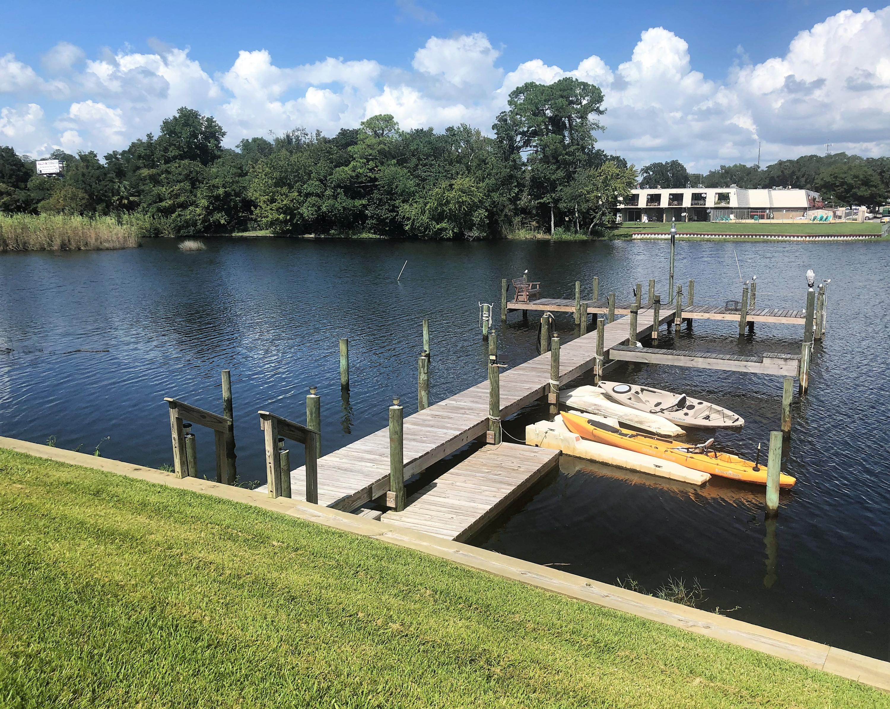 Photo of home for sale at 106 Water, Fort Walton Beach FL