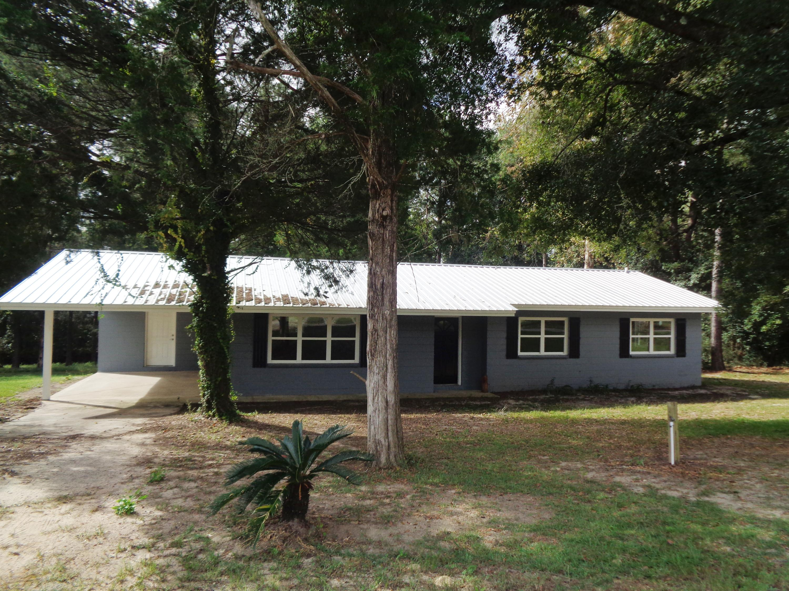 Photo of home for sale at 104 Ben Ashley, Laurel Hill FL