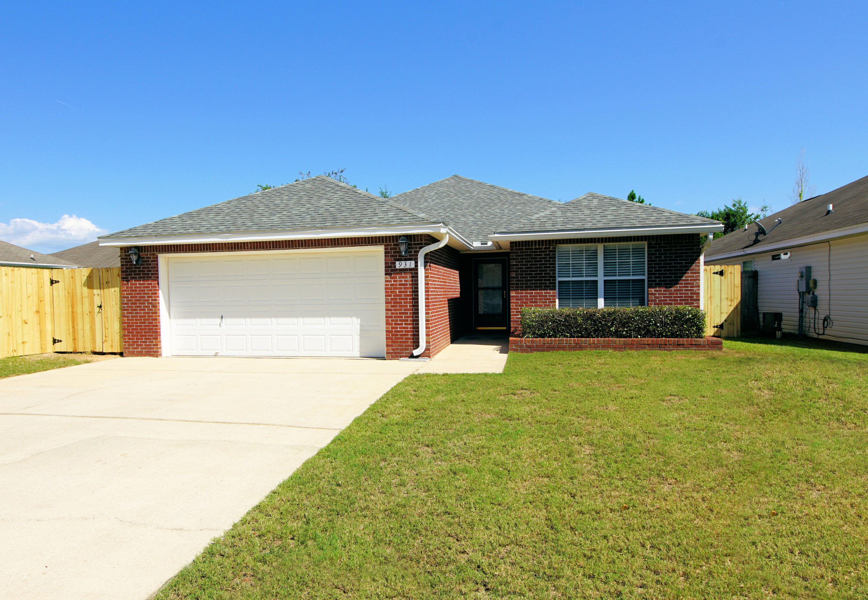 Photo of home for sale at 931 Village, Fort Walton Beach FL