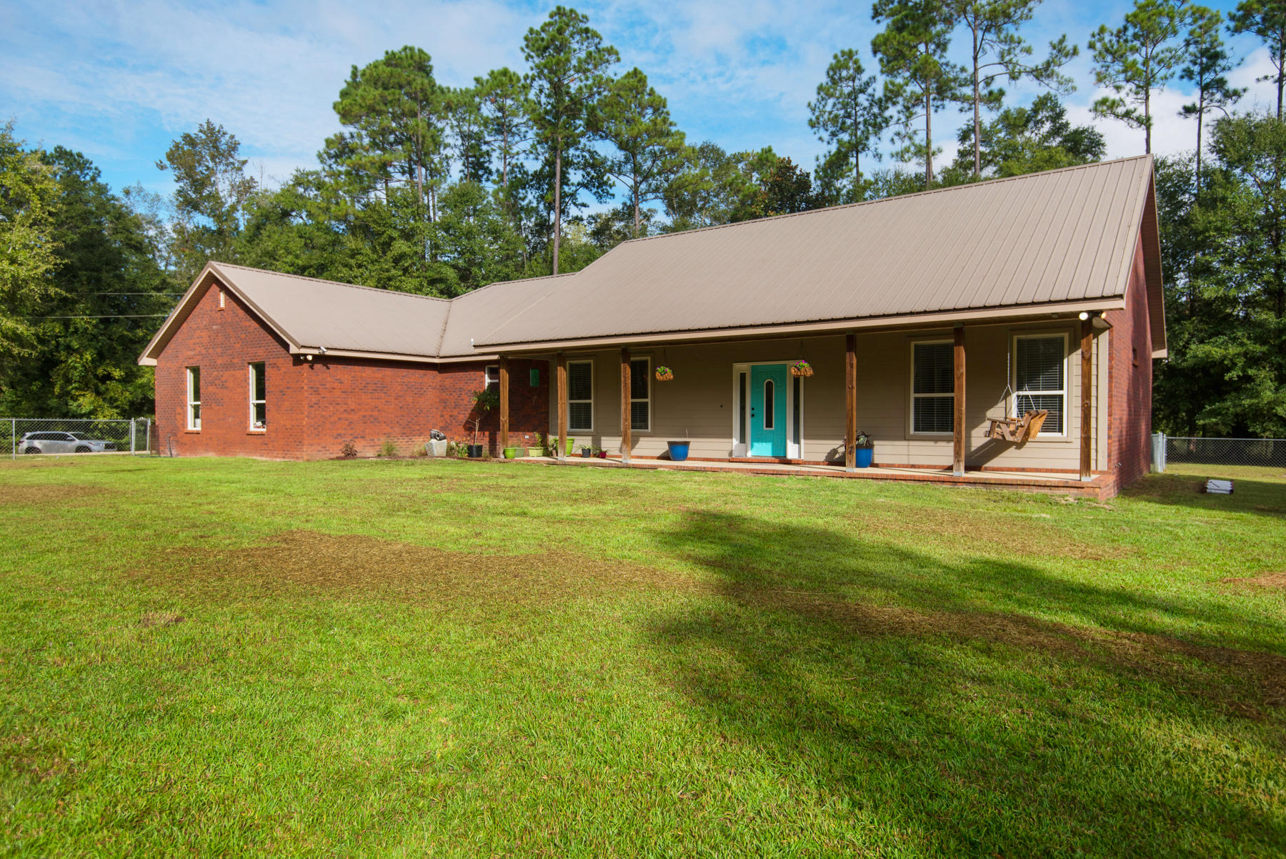 Photo of home for sale at 4625 Dorcas, Crestview FL