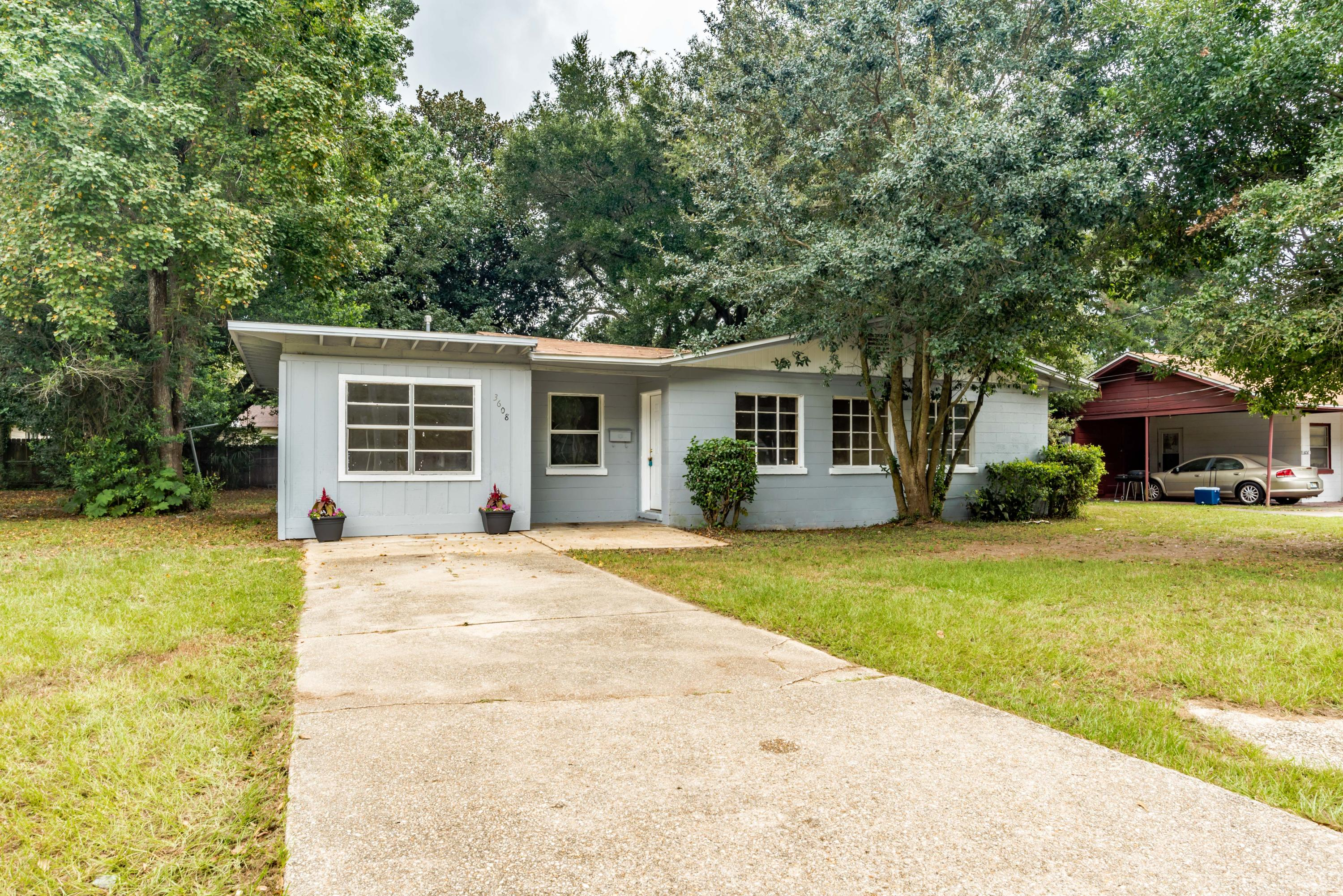 Photo of home for sale at 3608 9th, Pensacola FL