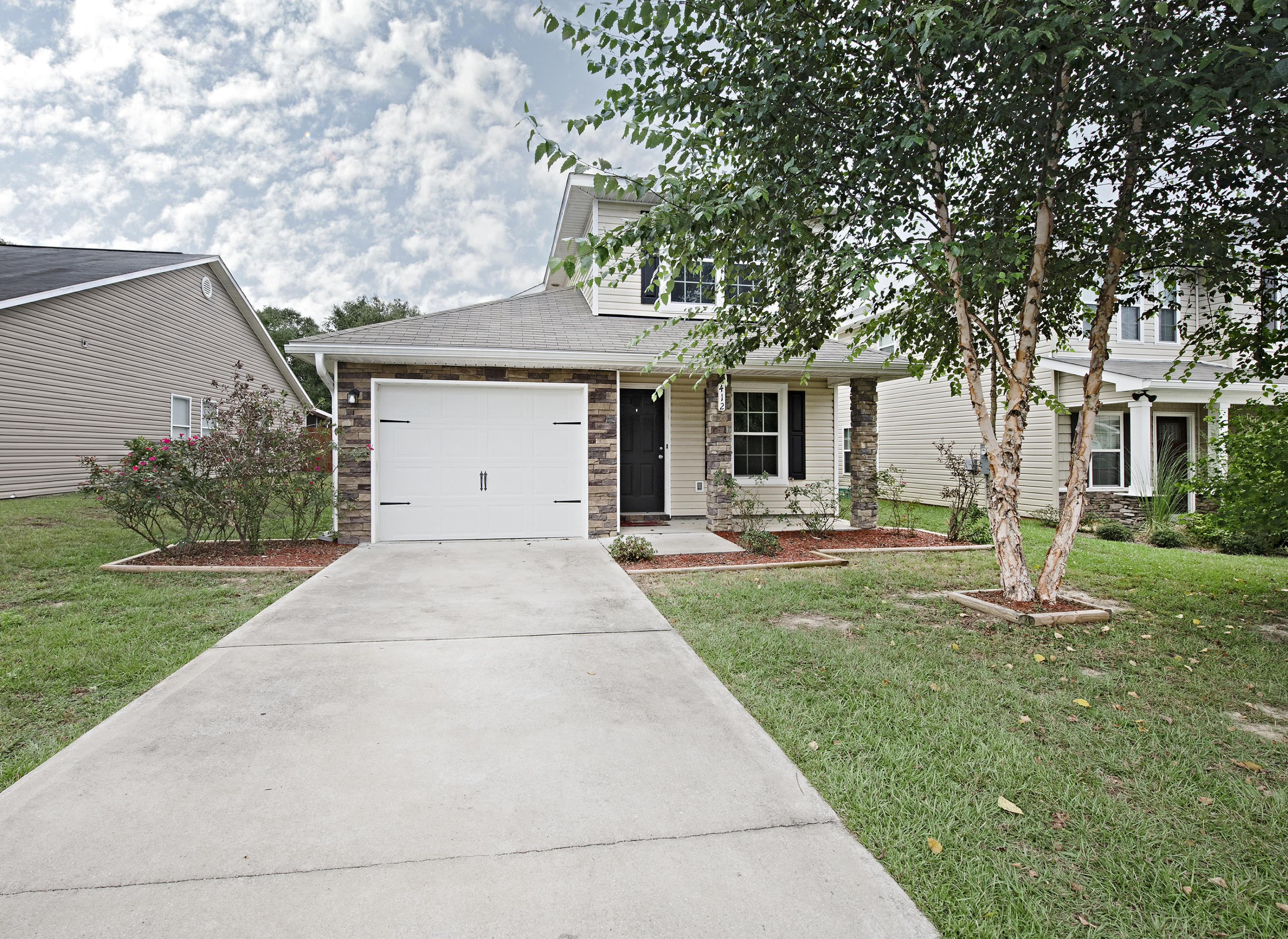 Photo of home for sale at 412 Eisenhower, Crestview FL