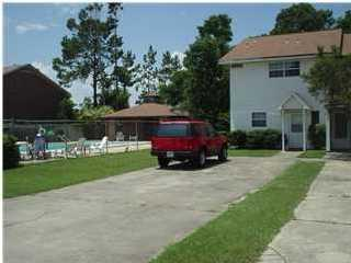 Photo of home for sale at 242 Sharon, Mary Esther FL