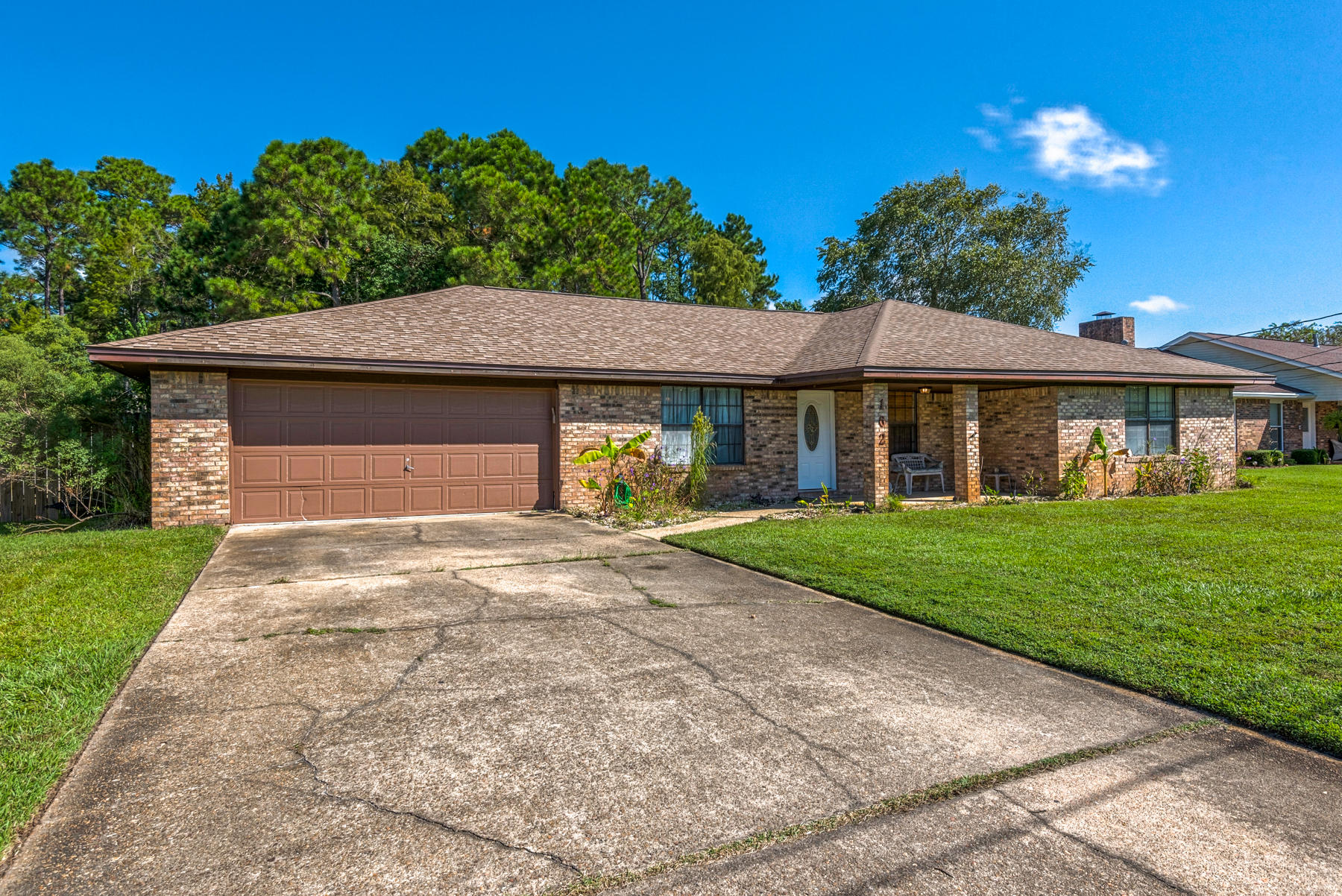 Photo of home for sale at 162 Scottsdale, Mary Esther FL