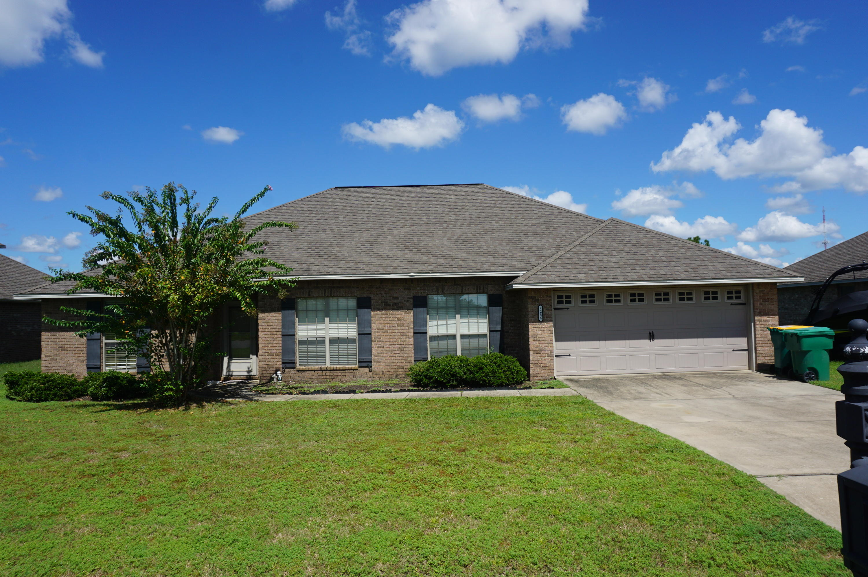 Photo of home for sale at 5254 Moore, Crestview FL