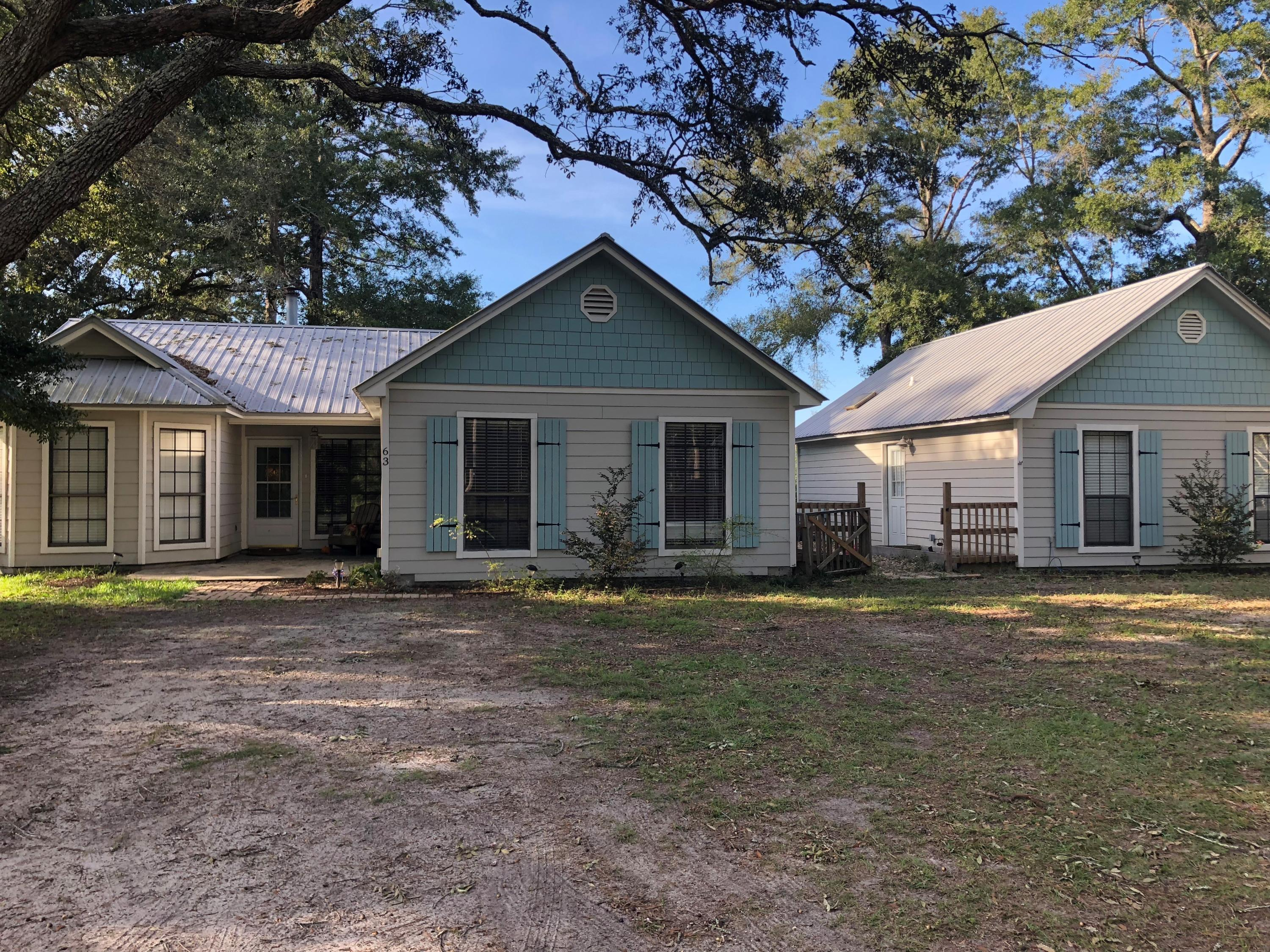 Photo of home for sale at 63 Suggs, Freeport FL