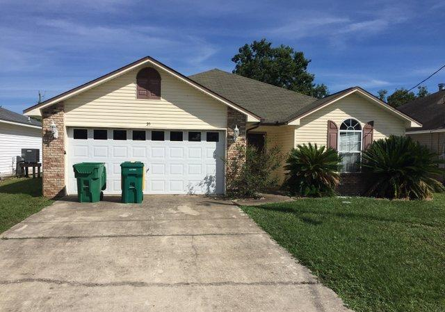 Photo of home for sale at 35 Kathleen, Mary Esther FL