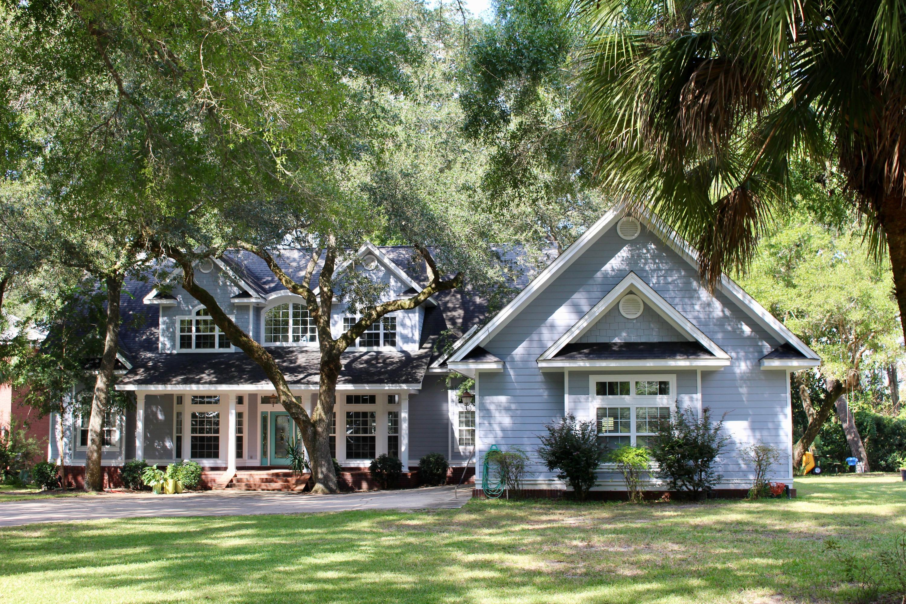 Photo of home for sale at 489 Waterview Cove, Freeport FL