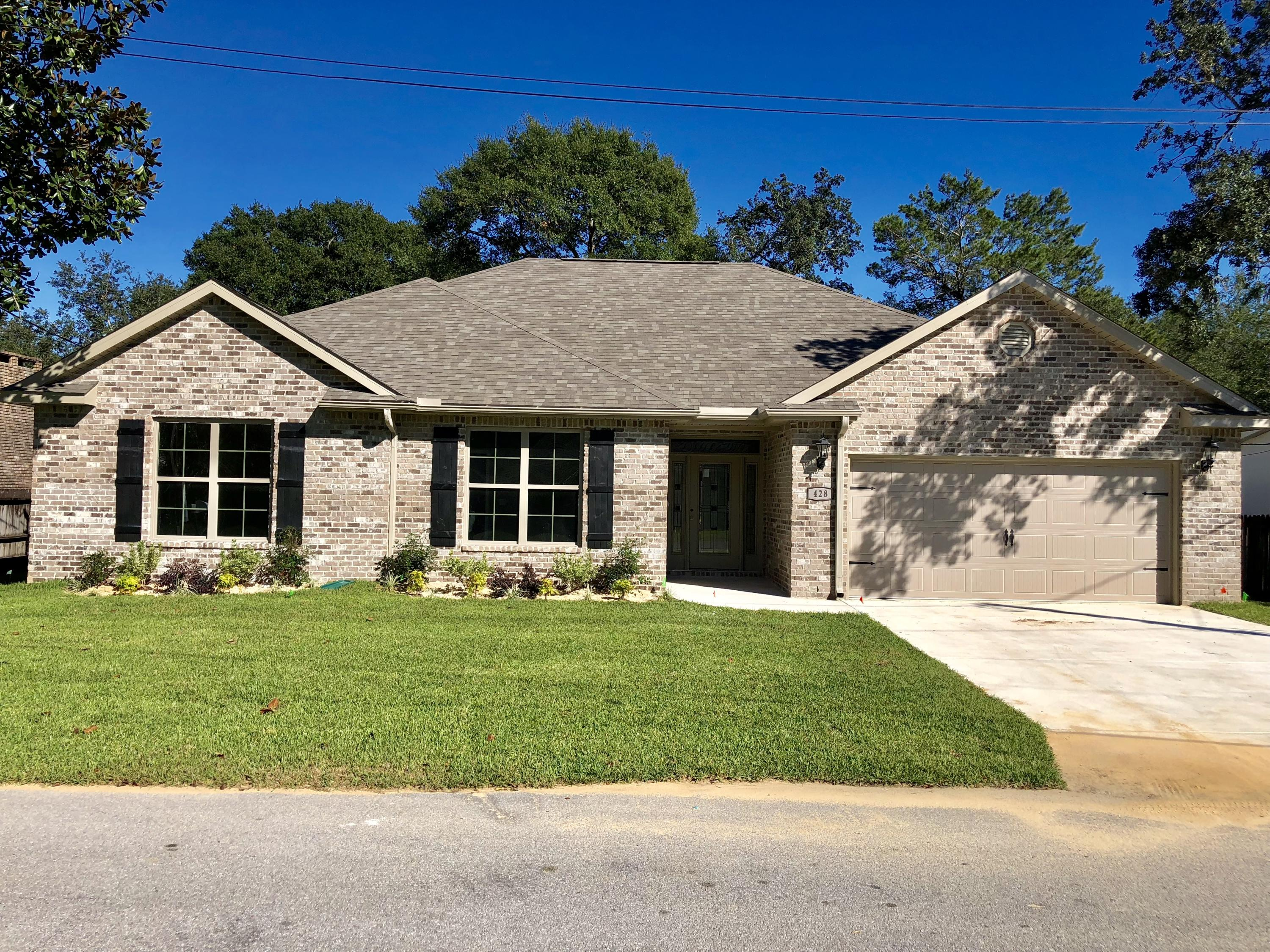 Photo of home for sale at 428 Walter Circle, Fort Walton Beach FL
