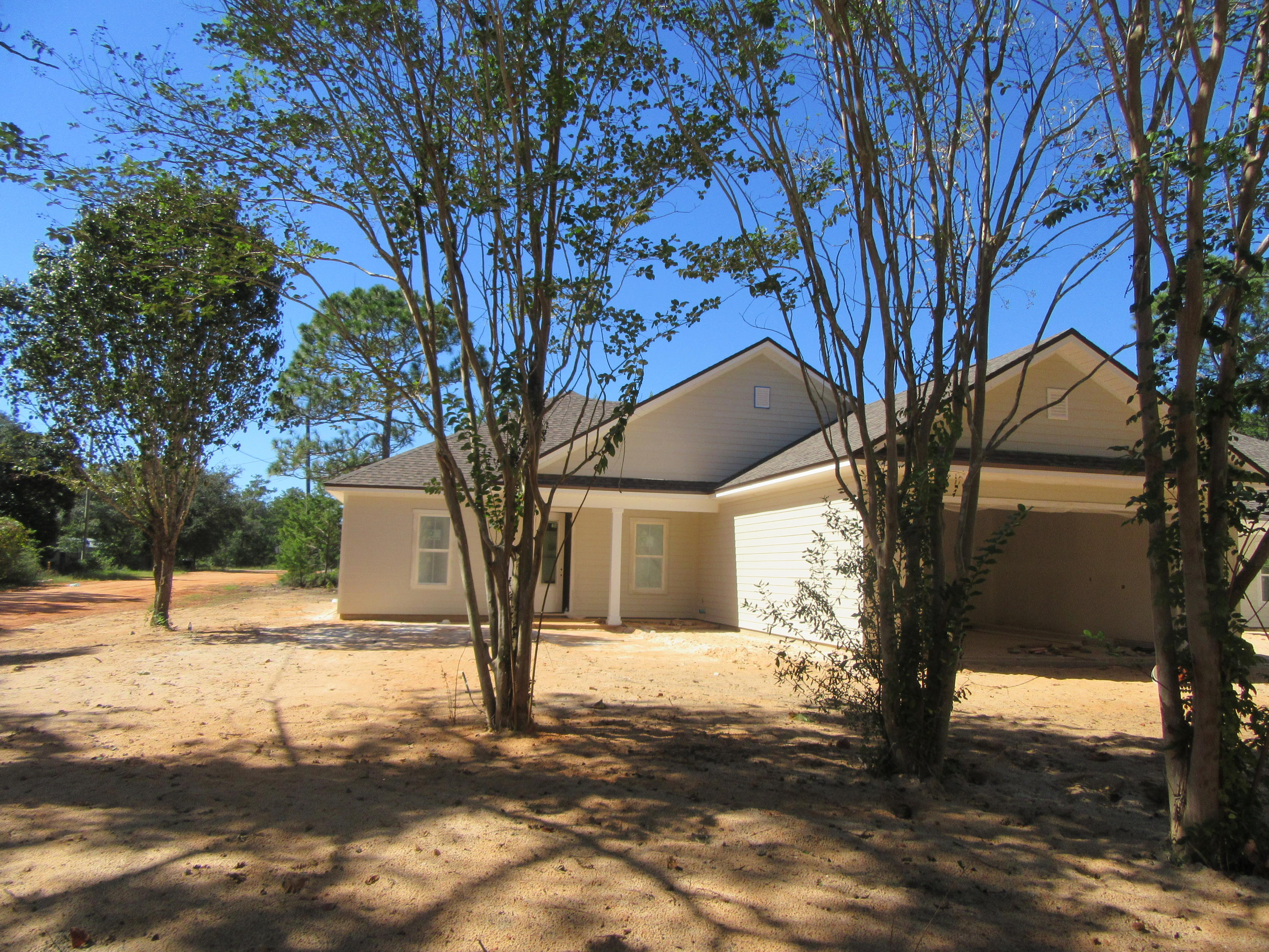 Photo of home for sale at 2001 Alhambra, Navarre FL