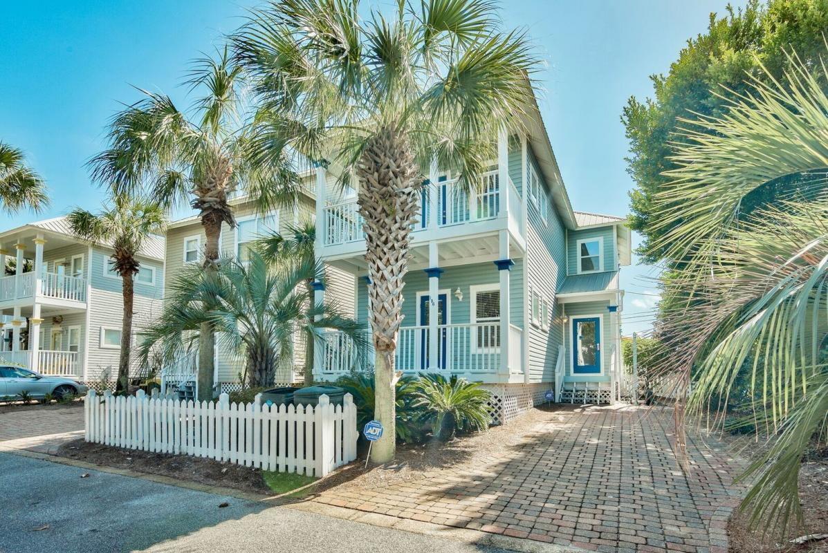 Photo of home for sale at 156 Emerald Dunes, Santa Rosa Beach FL