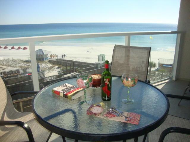 Photo of home for sale at 4256 Beachside 2, Miramar Beach FL