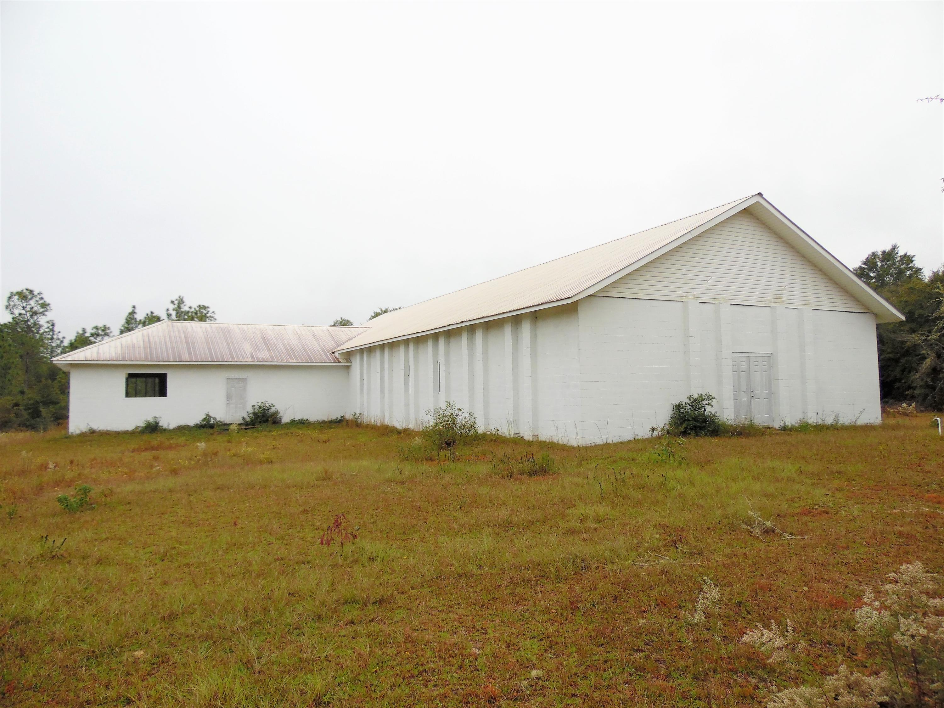 Photo of home for sale at 17 acres Community Center Ave., Defuniak Springs FL