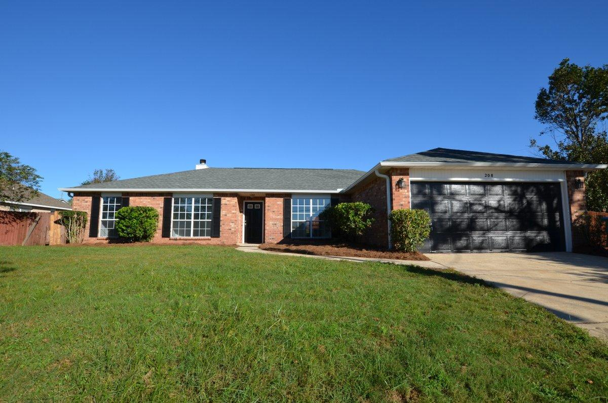 Photo of home for sale at 208 Riverchase, Crestview FL