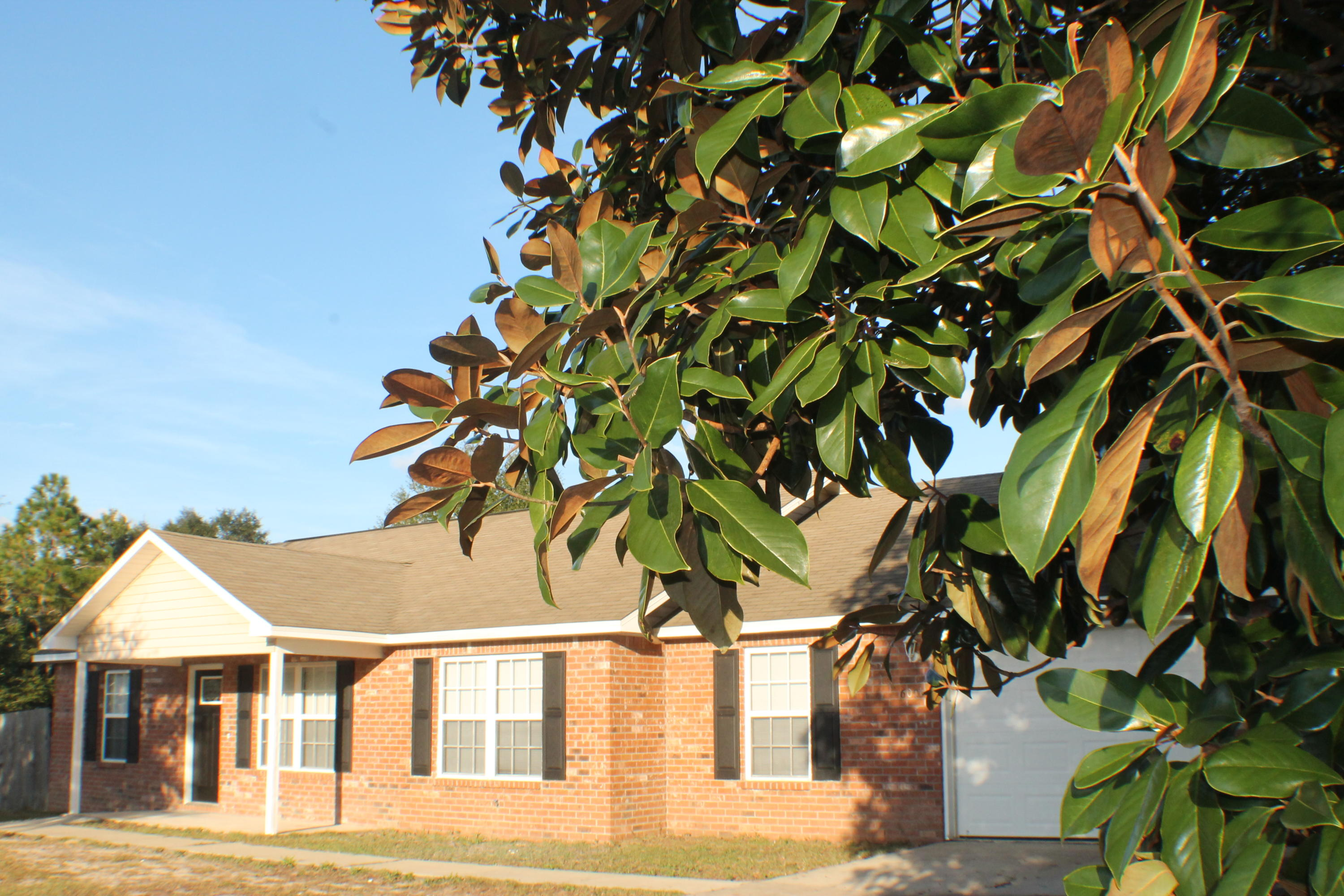 Photo of home for sale at 6001 Quince, Crestview FL