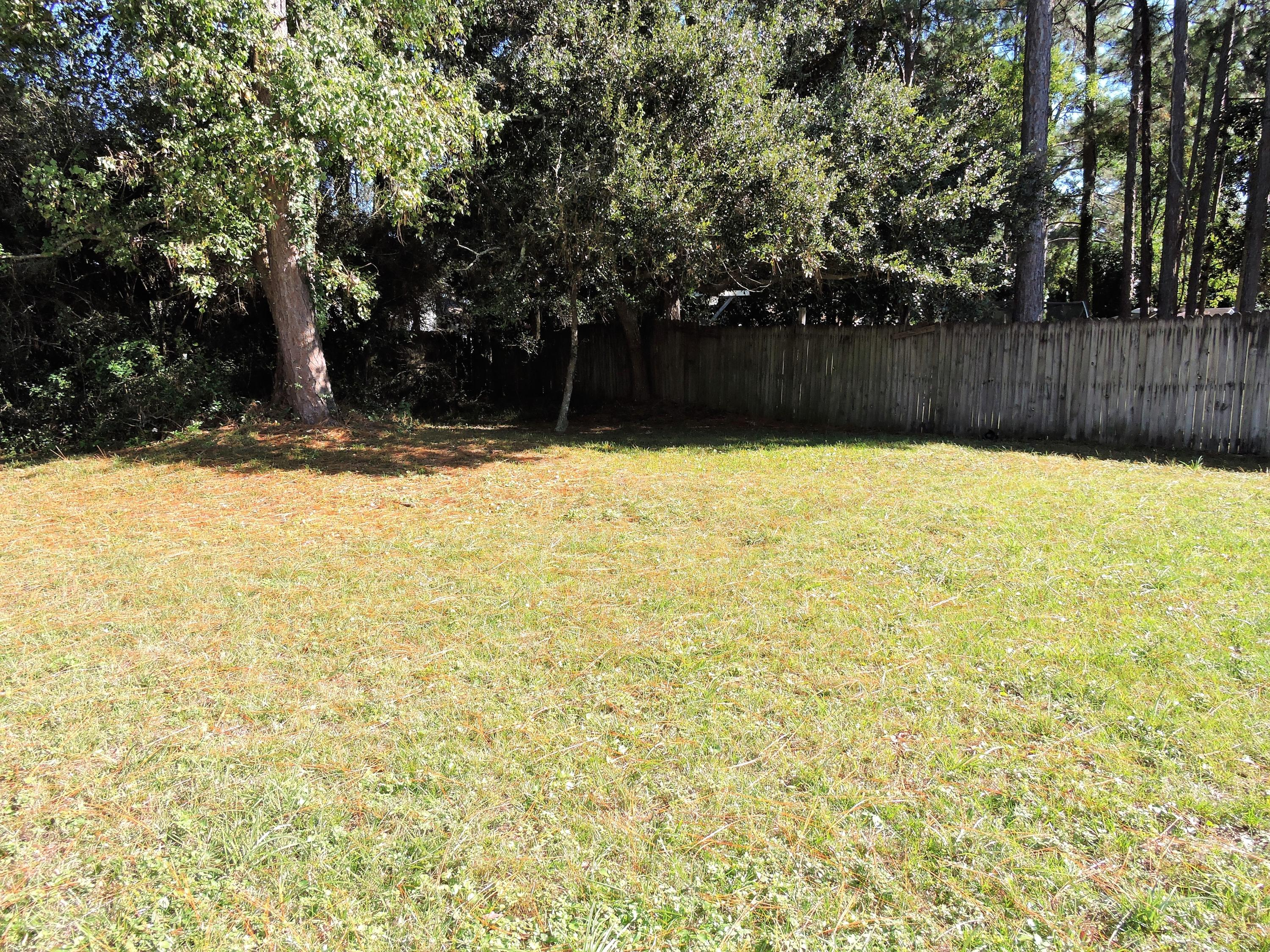 Photo of home for sale at 1711 Maple, Niceville FL