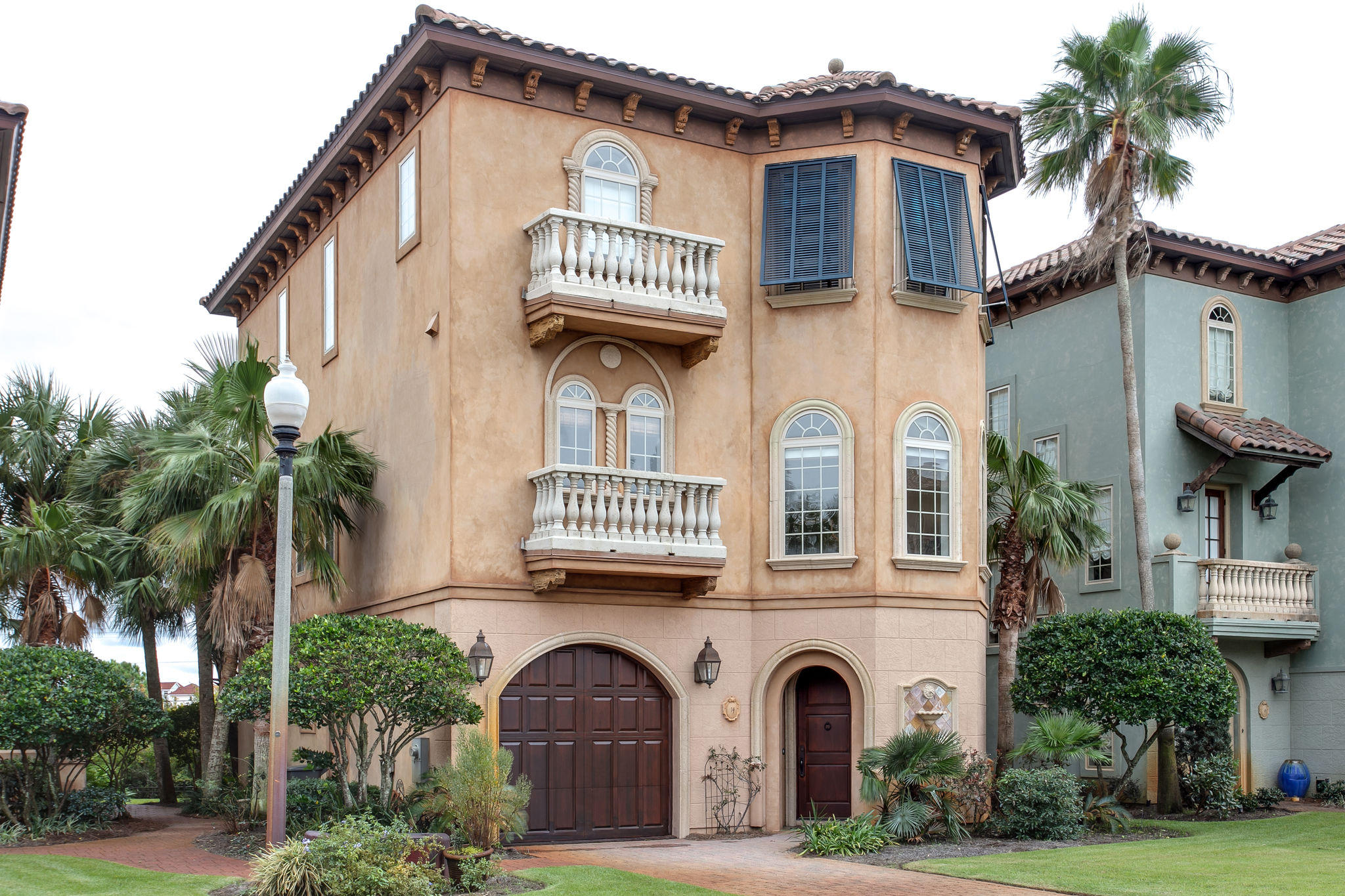 Photo of home for sale at 14 Rue St Tropez, Miramar Beach FL