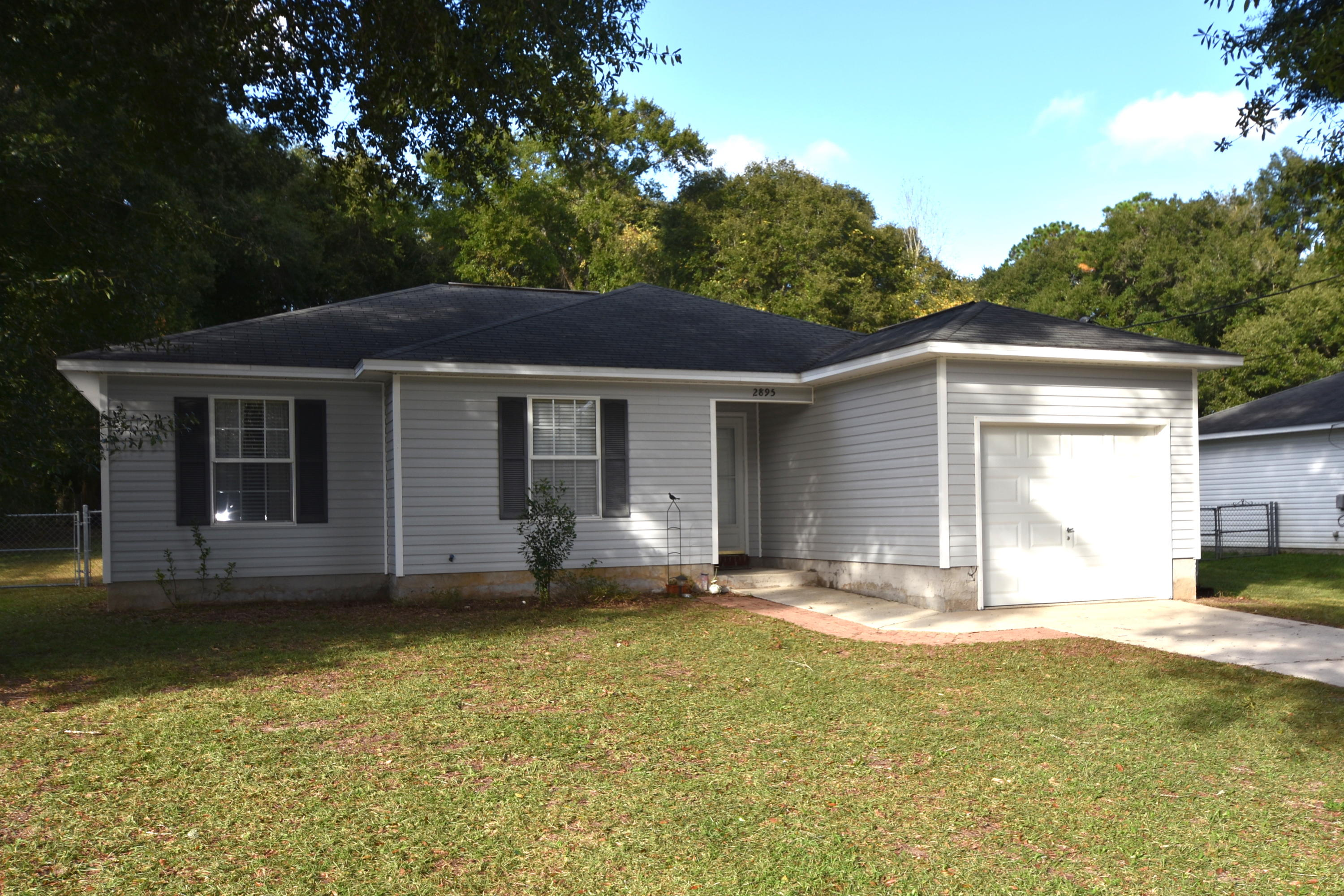 Photo of home for sale at 2895 Second, Crestview FL