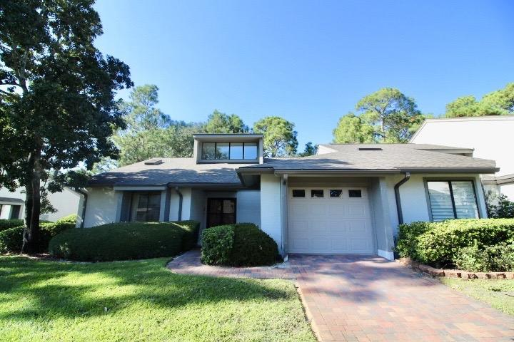 Photo of home for sale at 133 Gleneagles, Niceville FL
