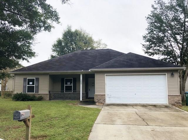 Photo of home for sale at 152 Creve Core, Crestview FL
