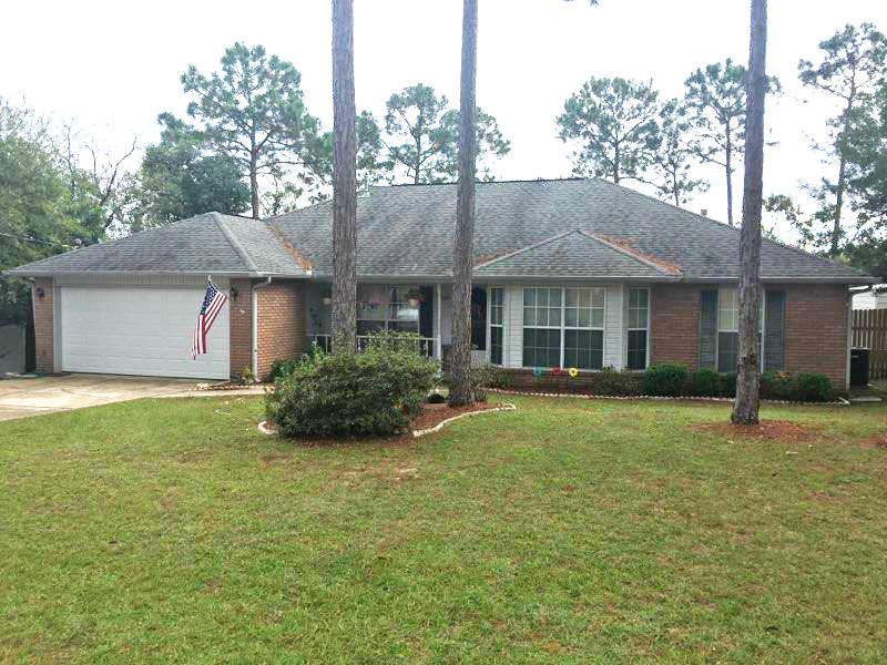 Photo of home for sale at 1218 Gabrielle, Crestview FL