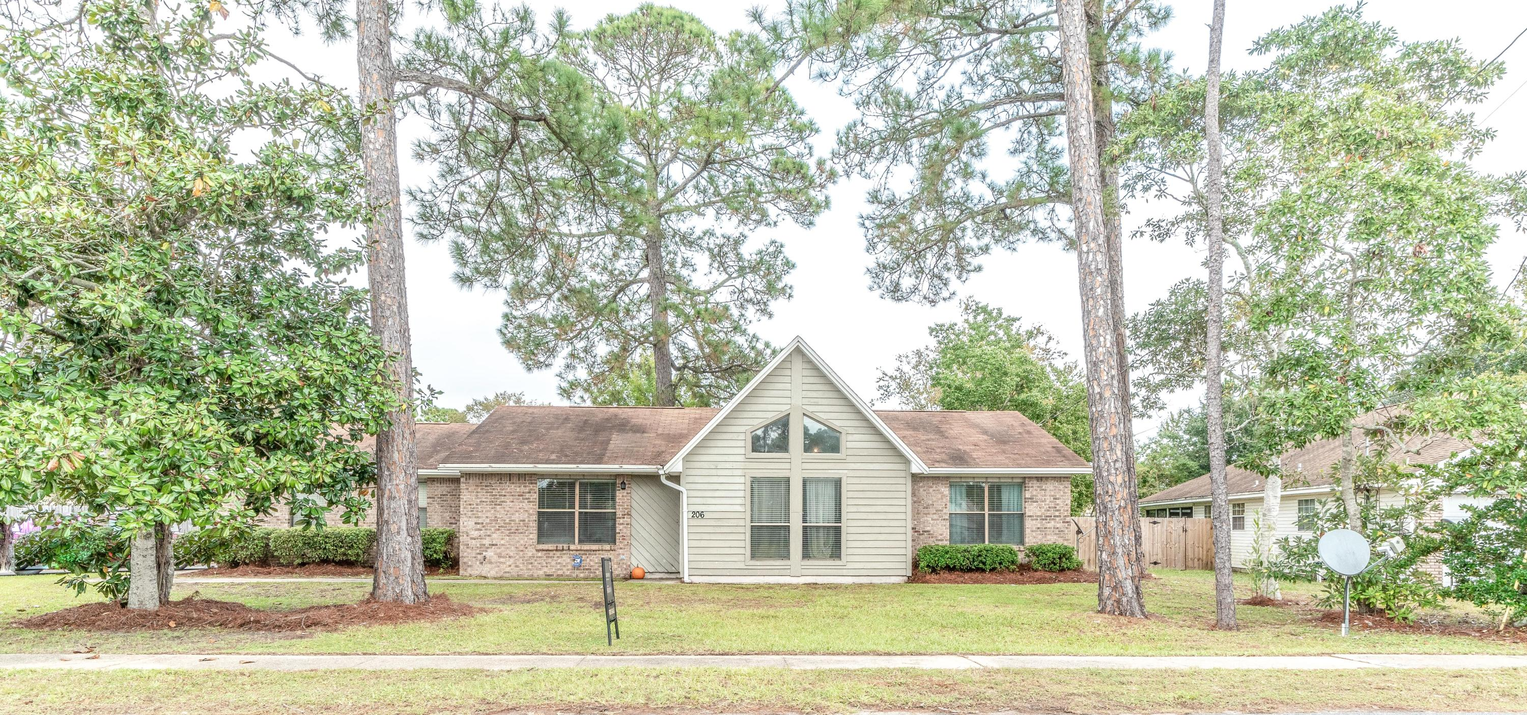Photo of home for sale at 206 Seville, Mary Esther FL