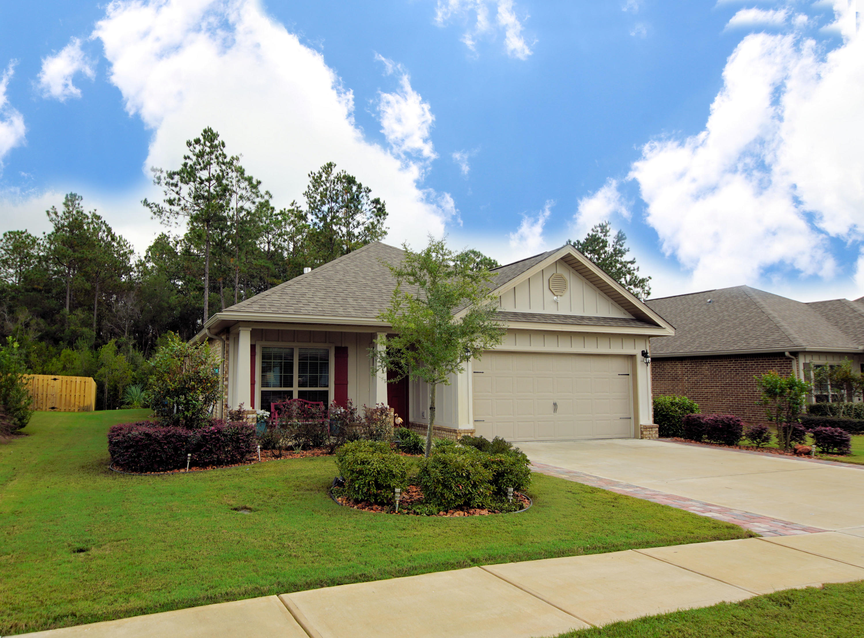 Photo of home for sale at 333 Whitman, Freeport FL