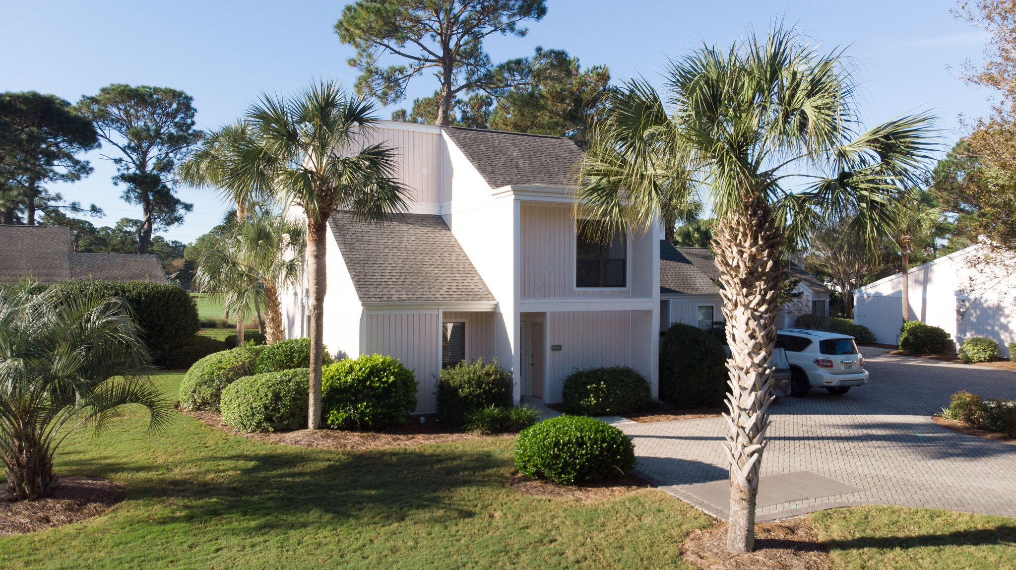 Photo of home for sale at 757 Sandpiper, Miramar Beach FL