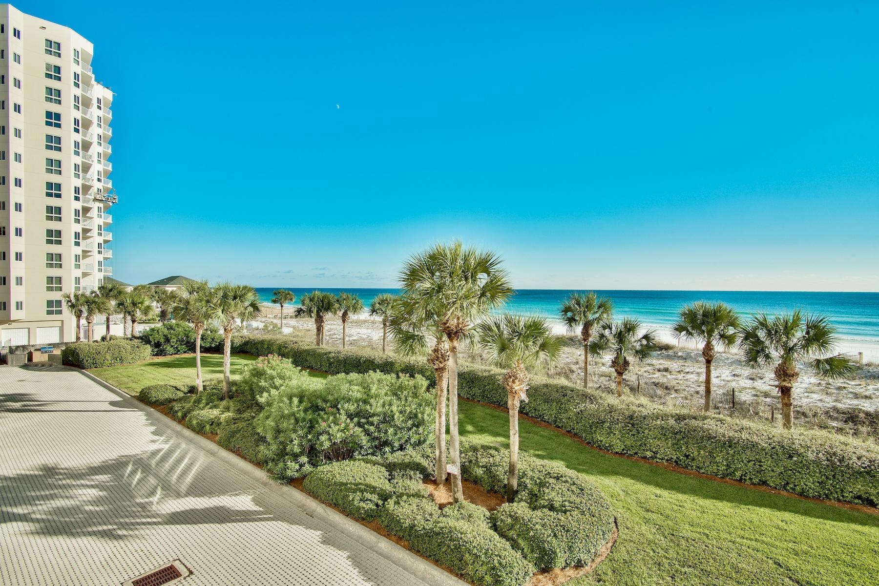 Photo of home for sale at 720 Gulf Shore, Destin FL