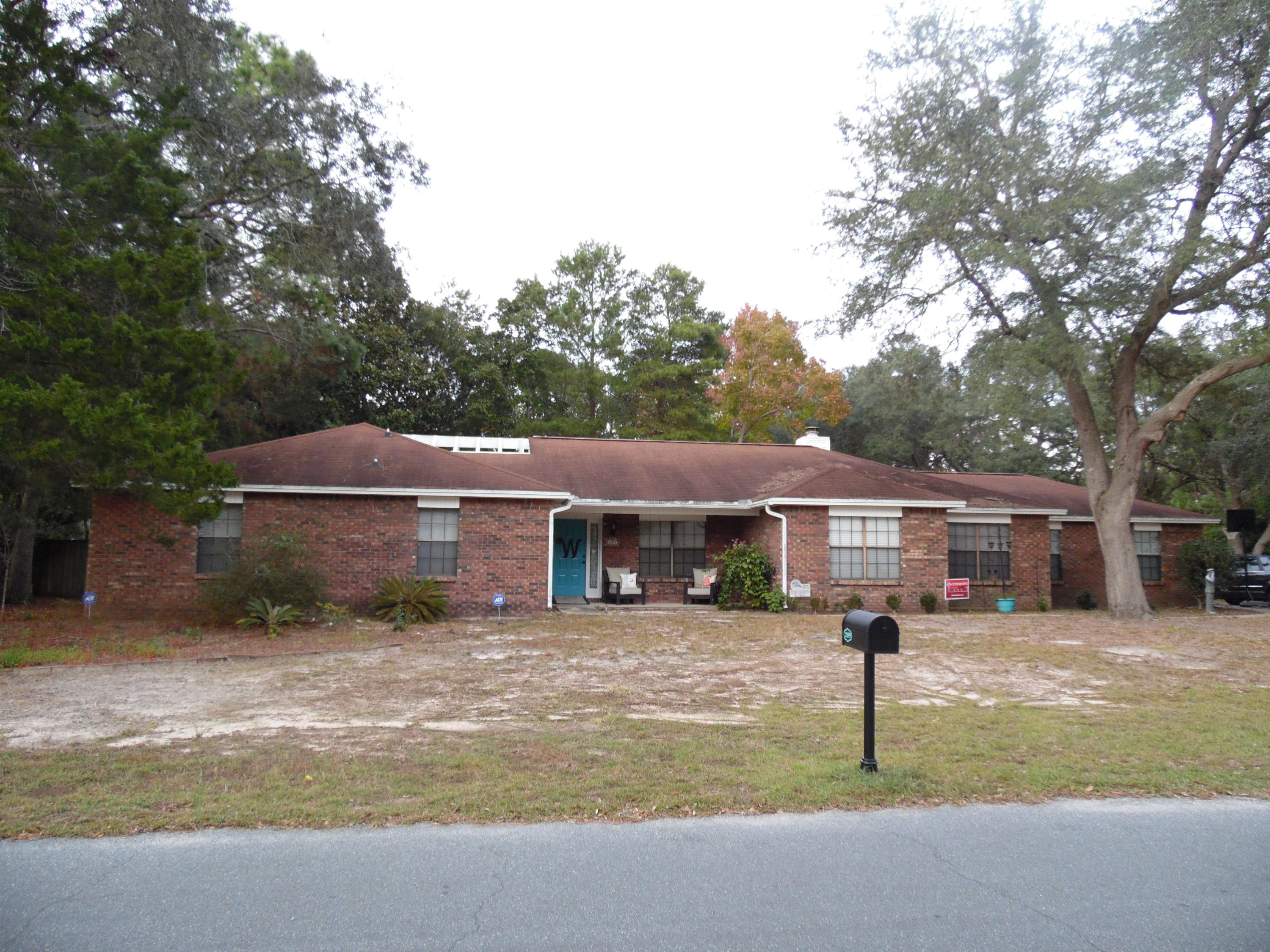 209  Oakwood Circle, Niceville, Florida
