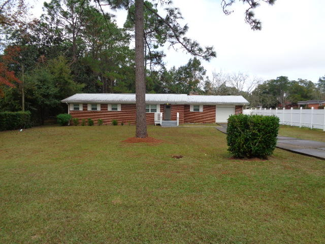 Photo of home for sale at 762 9th, Crestview FL