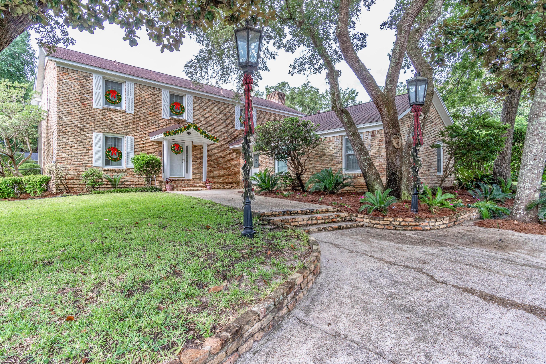 Photo of home for sale at 310 Elliott, Fort Walton Beach FL