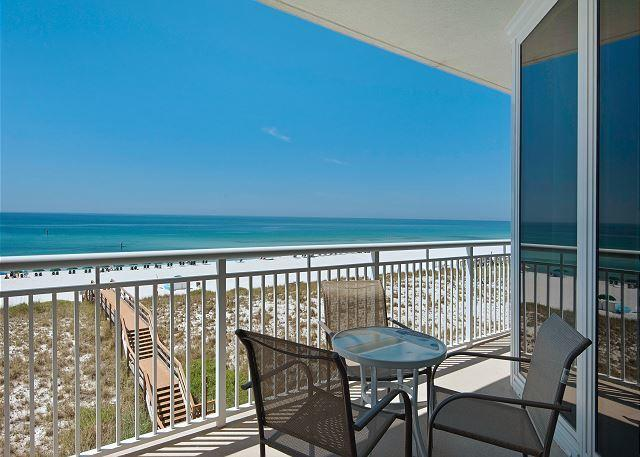 Photo of home for sale at 8499 Gulf Blvd, Navarre FL