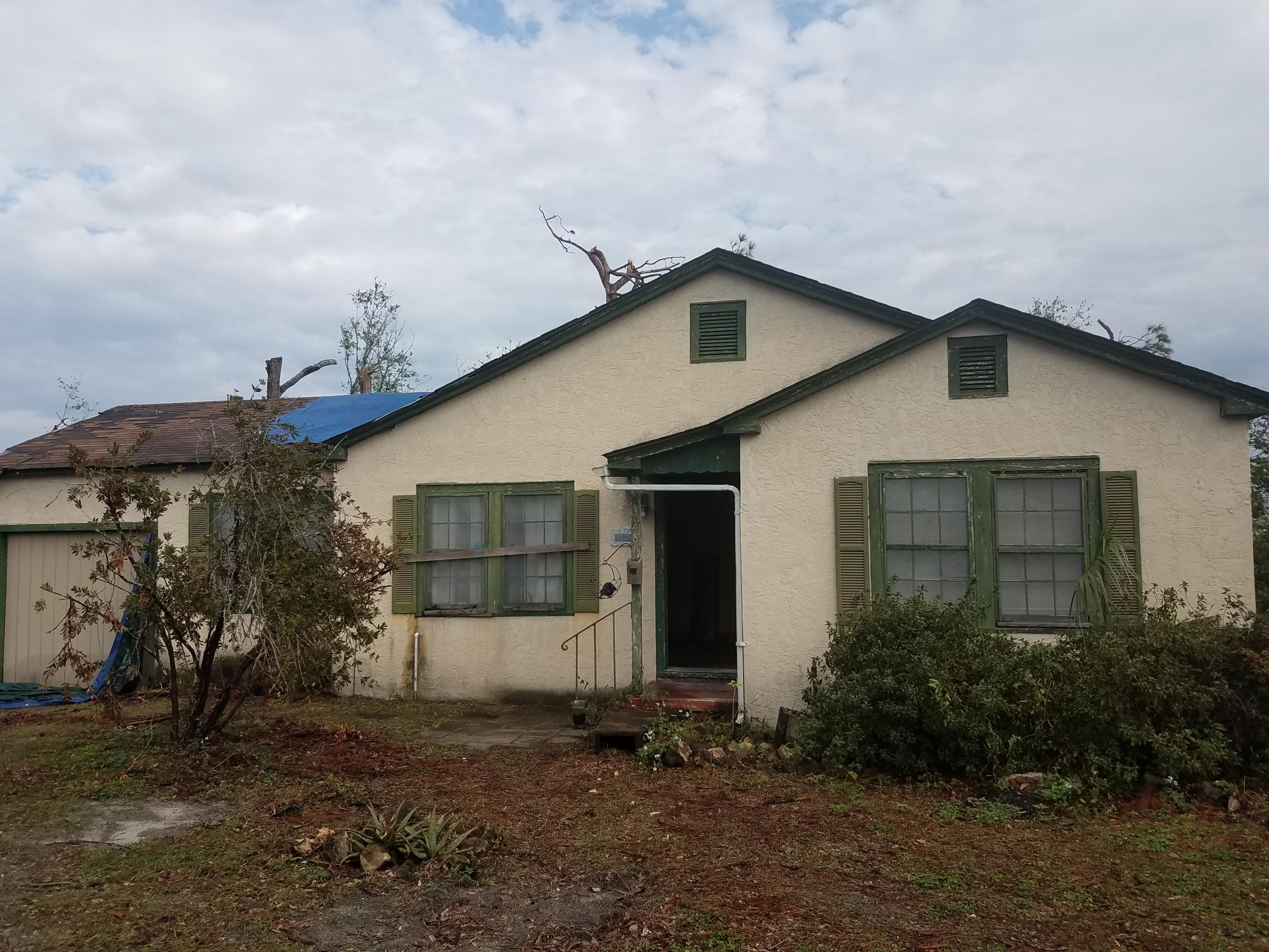 Photo of home for sale at 328 Macarthur, Panama City FL