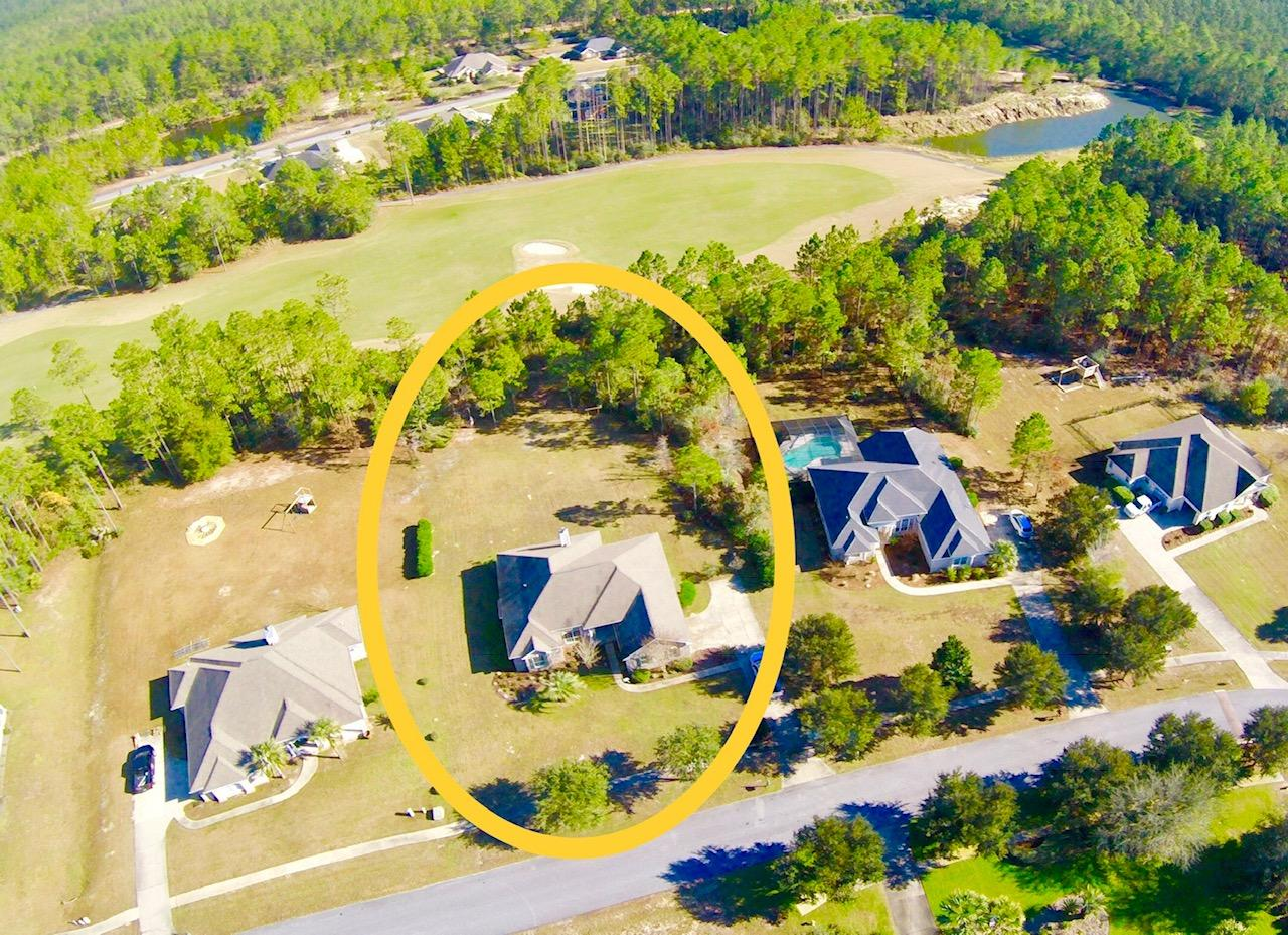 Photo of home for sale at 332 Club House Drive, Freeport FL