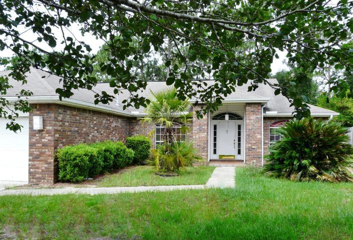 Photo of home for sale at 147 Steeplechase, Crestview FL