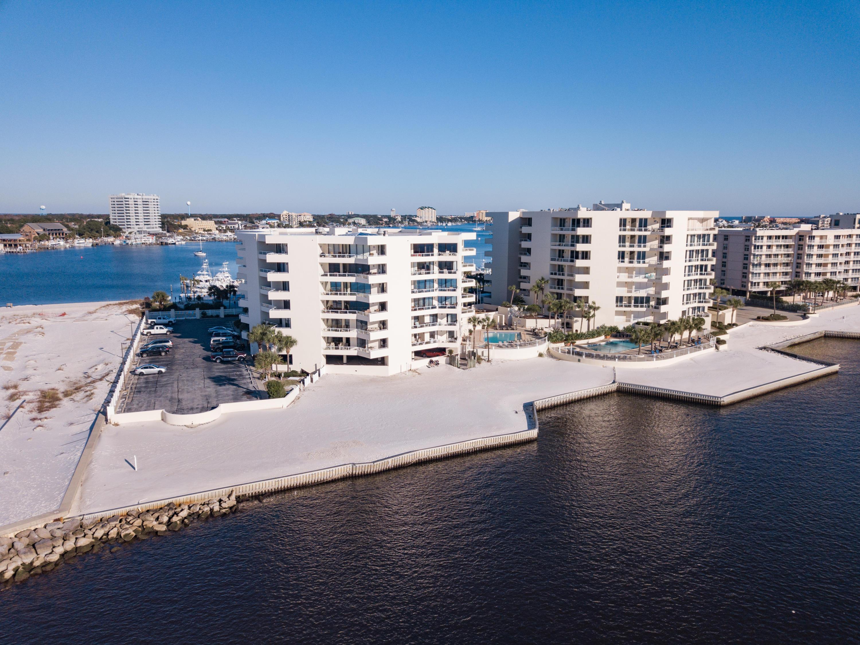 Photo of home for sale at 100 Gulf Shore, Destin FL