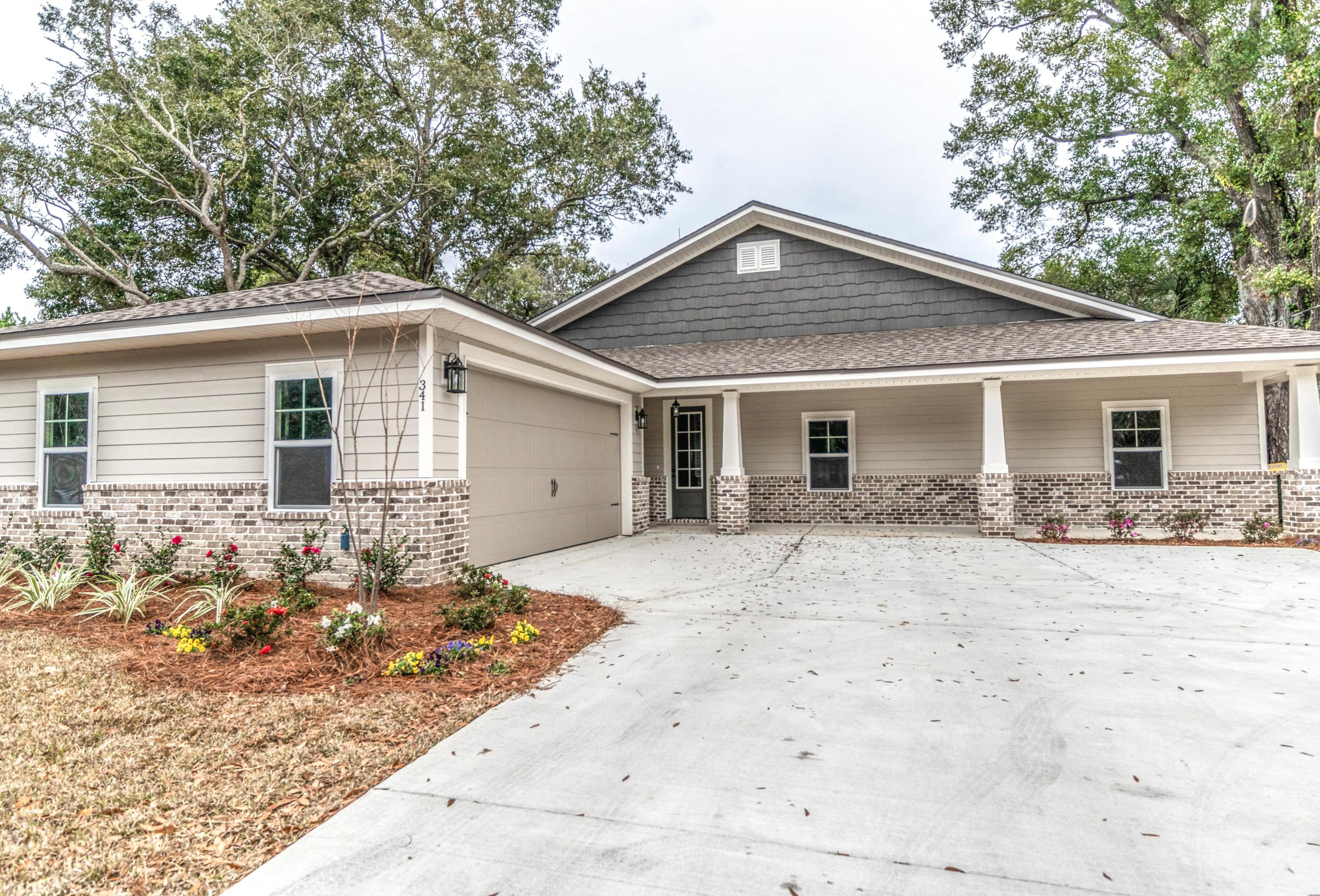 Photo of home for sale at 341 Hollywood, Fort Walton Beach FL