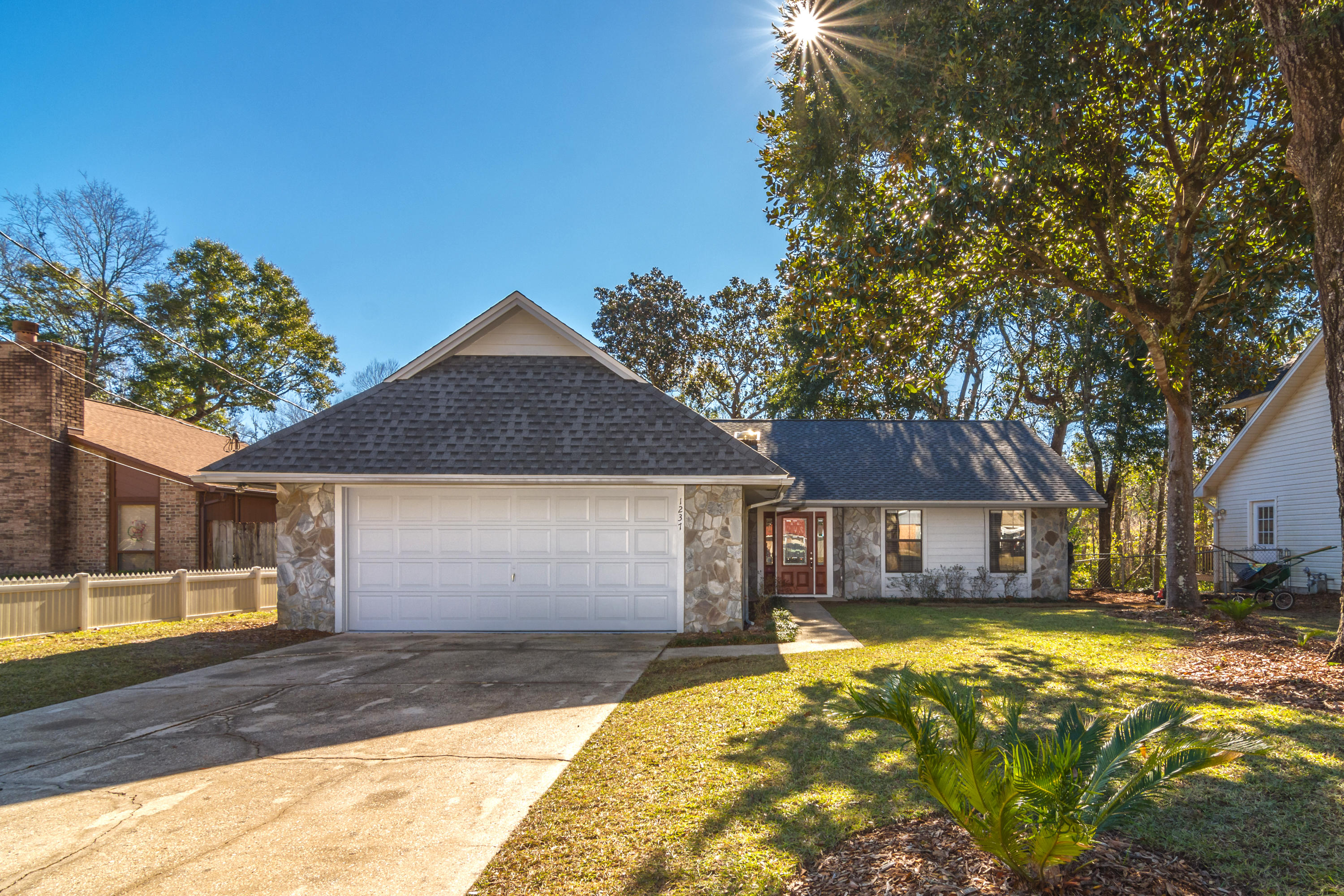 One of Niceville 3 Bedroom Homes for Sale at 1237  Rhonda Drive