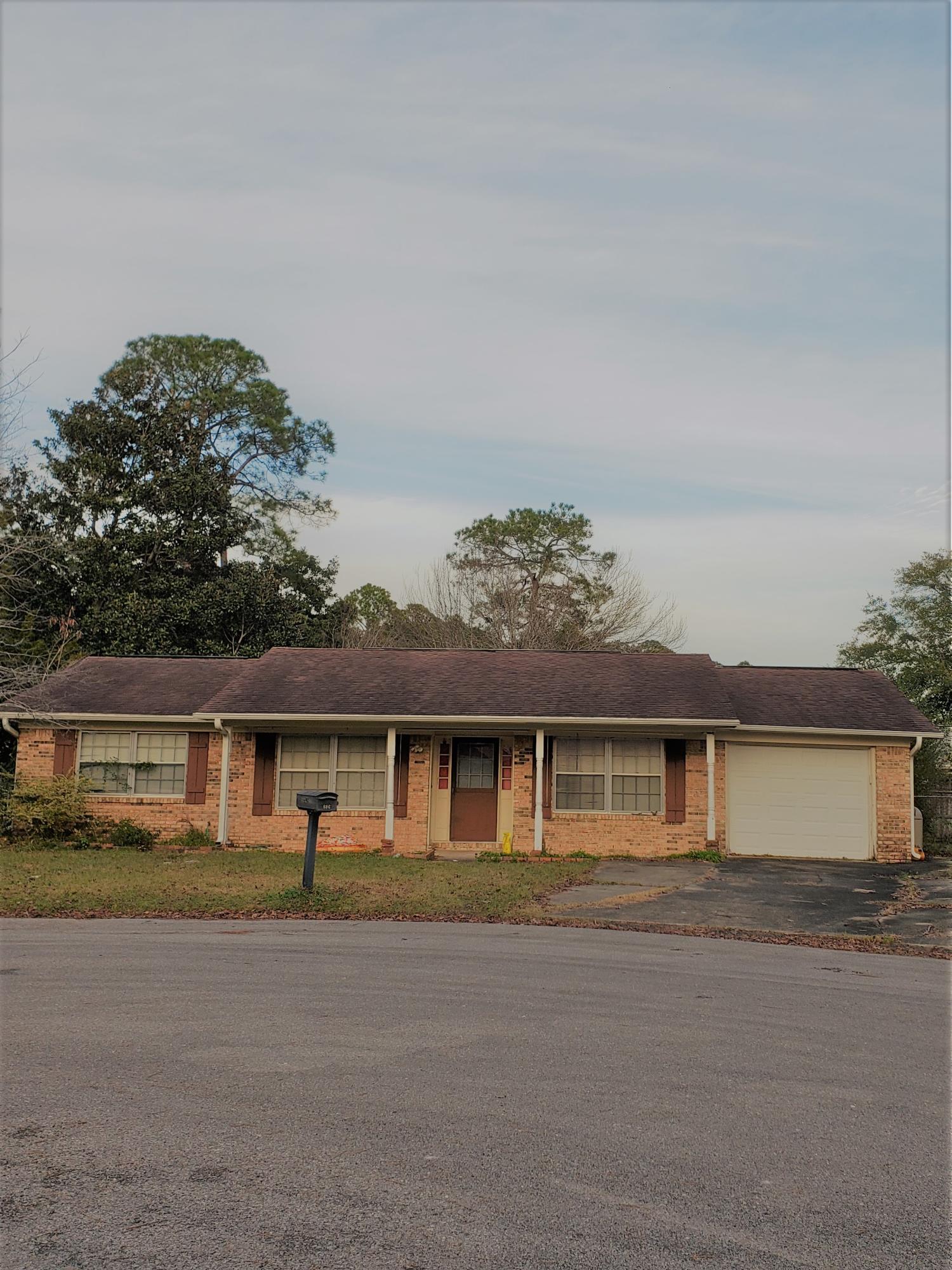 One of Niceville 3 Bedroom Homes for Sale at 806  Surf Lane