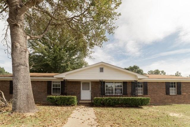 Photo of home for sale at 5347 Constitution, Crestview FL