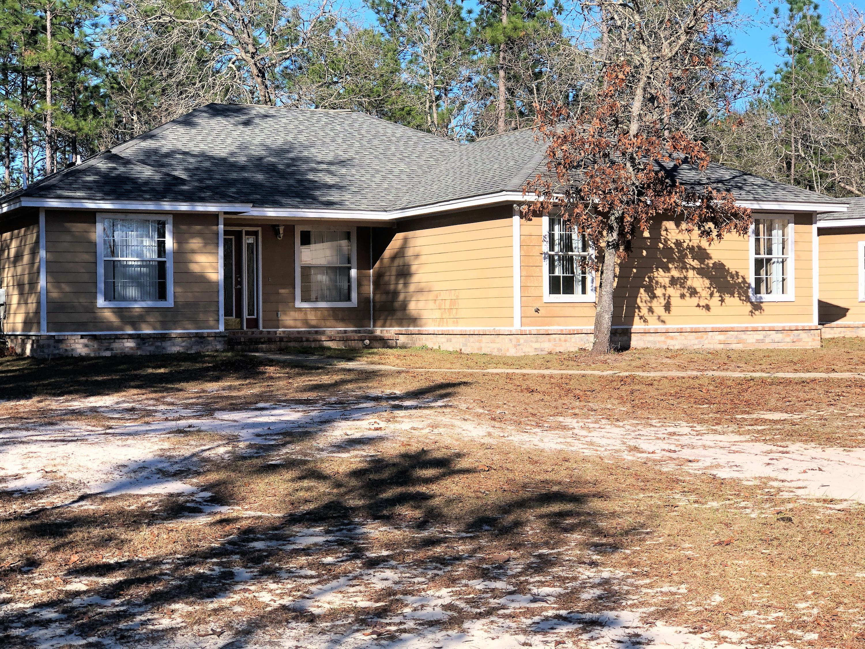 Photo of home for sale at 3974 Clearview, Crestview FL