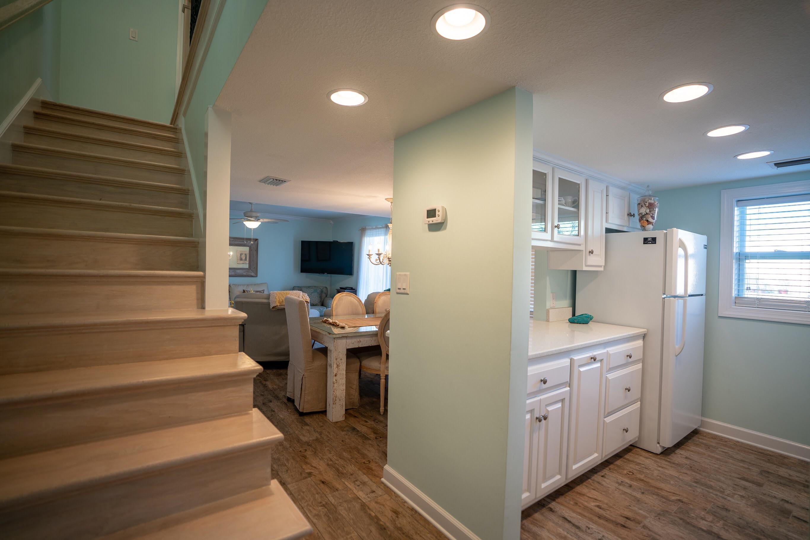A 3 Bedroom 2 Bedroom Horizon South Condominium