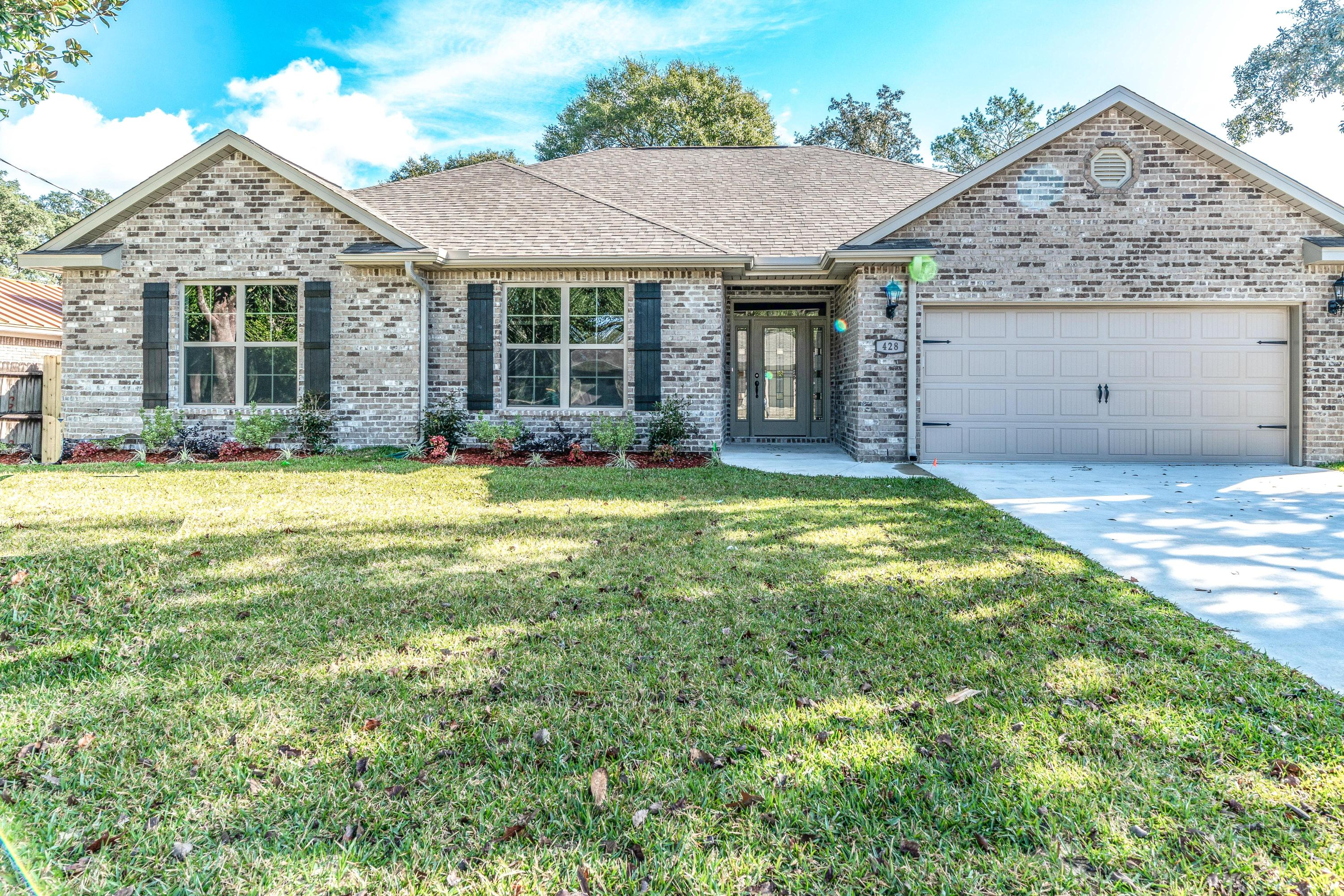 Photo of home for sale at 428 Walters Circle, Fort Walton Beach FL