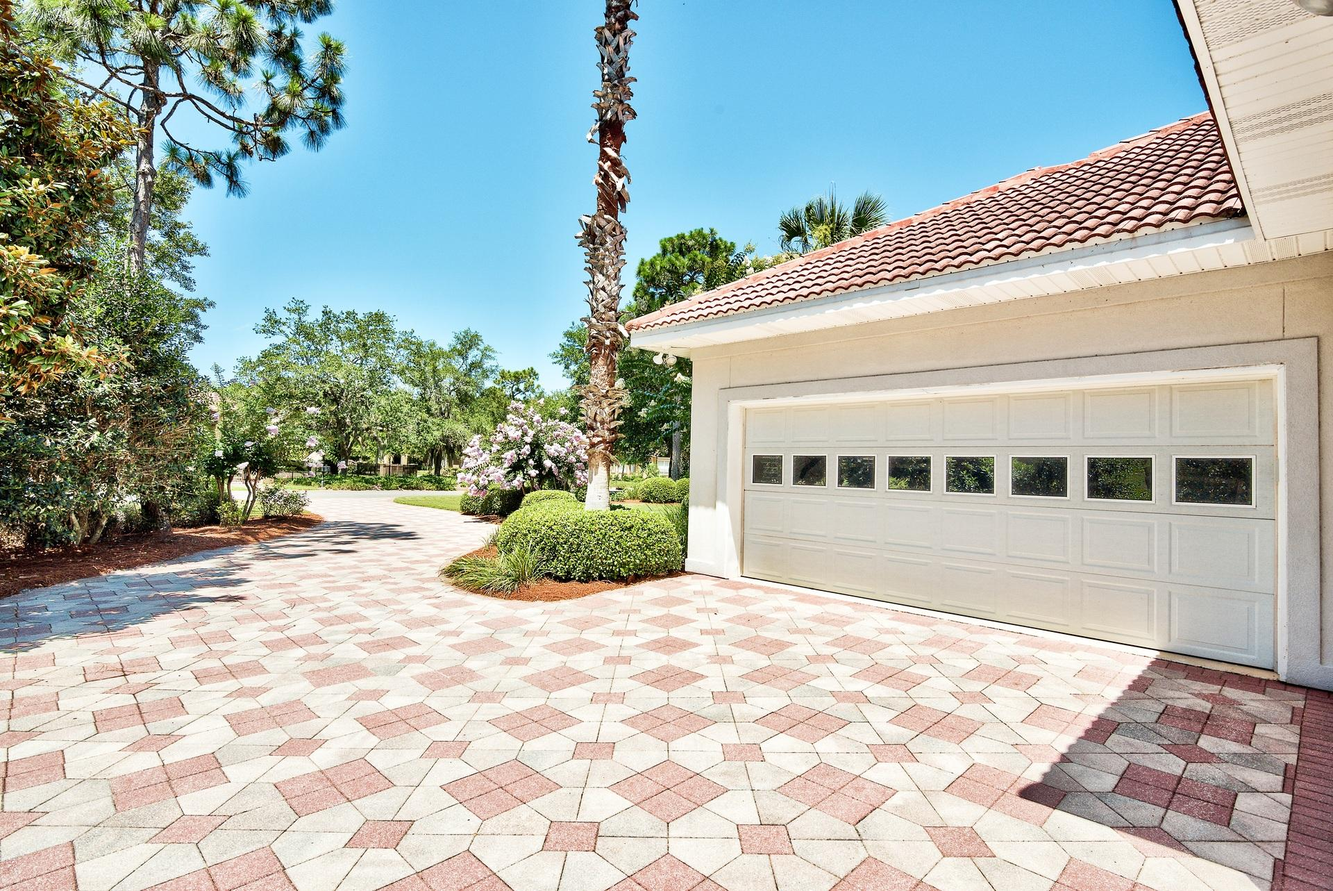 Photo of home for sale at 417 Maritime, Destin FL