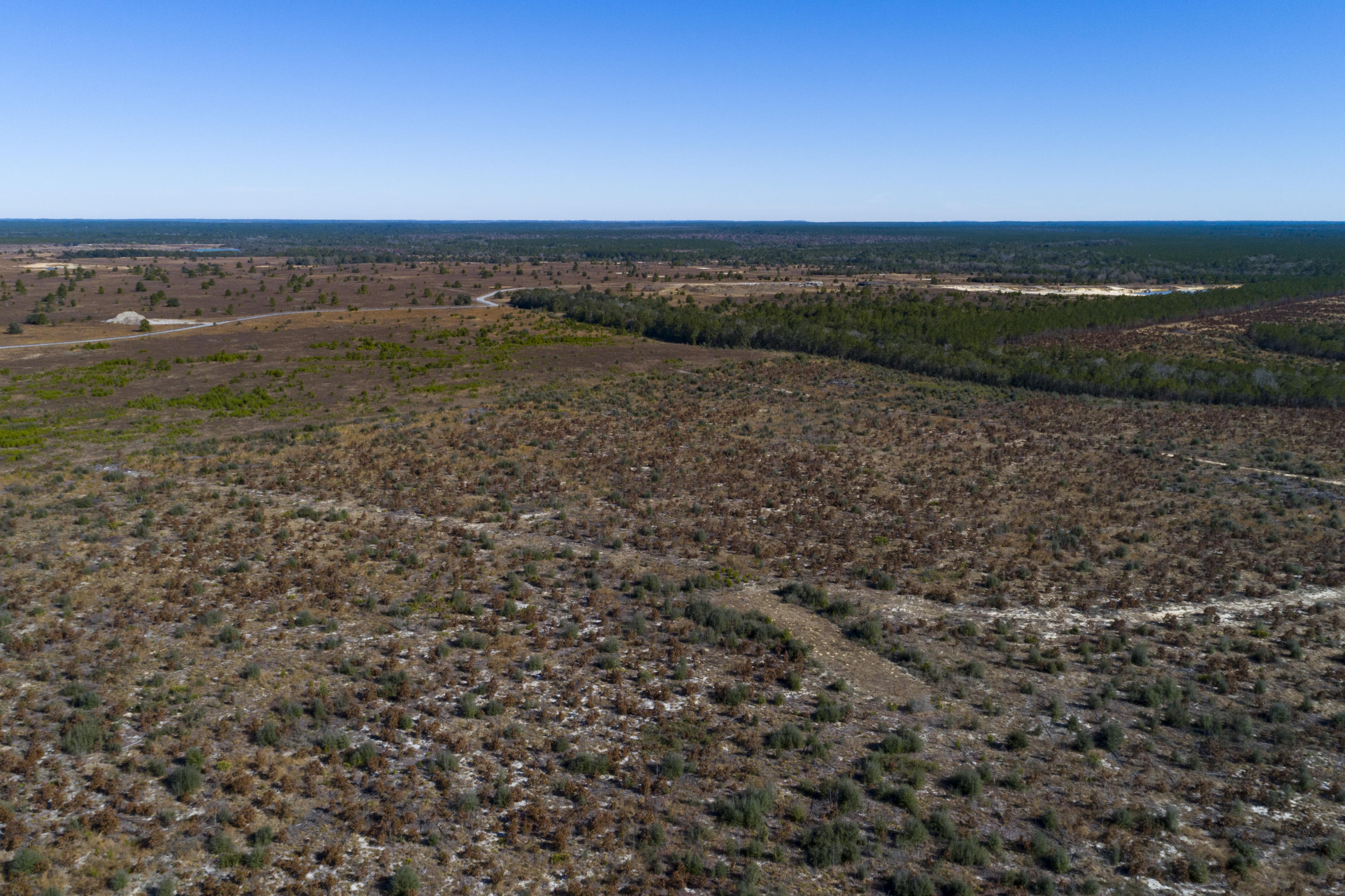 Photo of home for sale at 551 acres Highway 331, Freeport FL