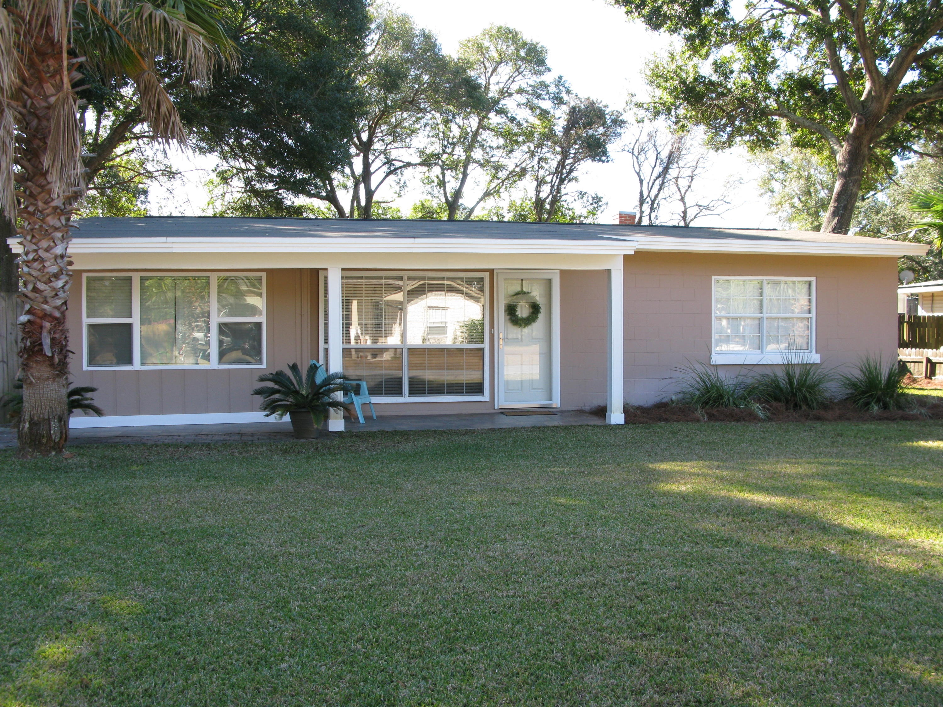 Photo of home for sale at 362 Kepner, Fort Walton Beach FL