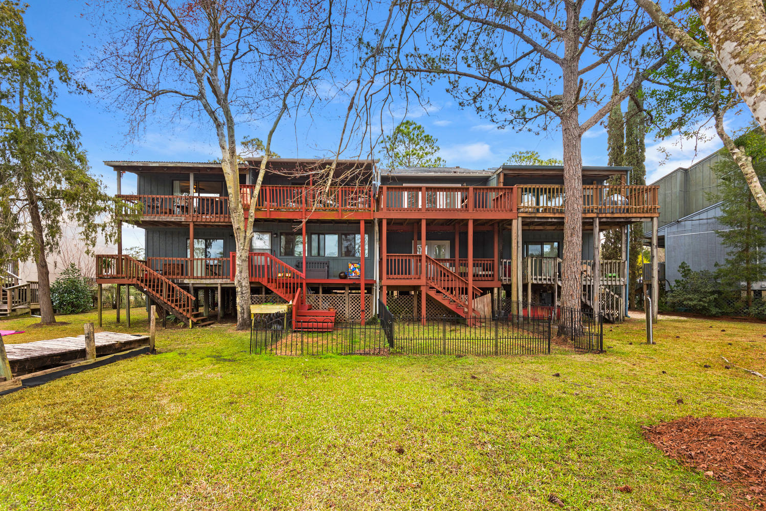A 2 Bedroom 2 Bedroom Swift Bayou T/h Unit 22 Townhome