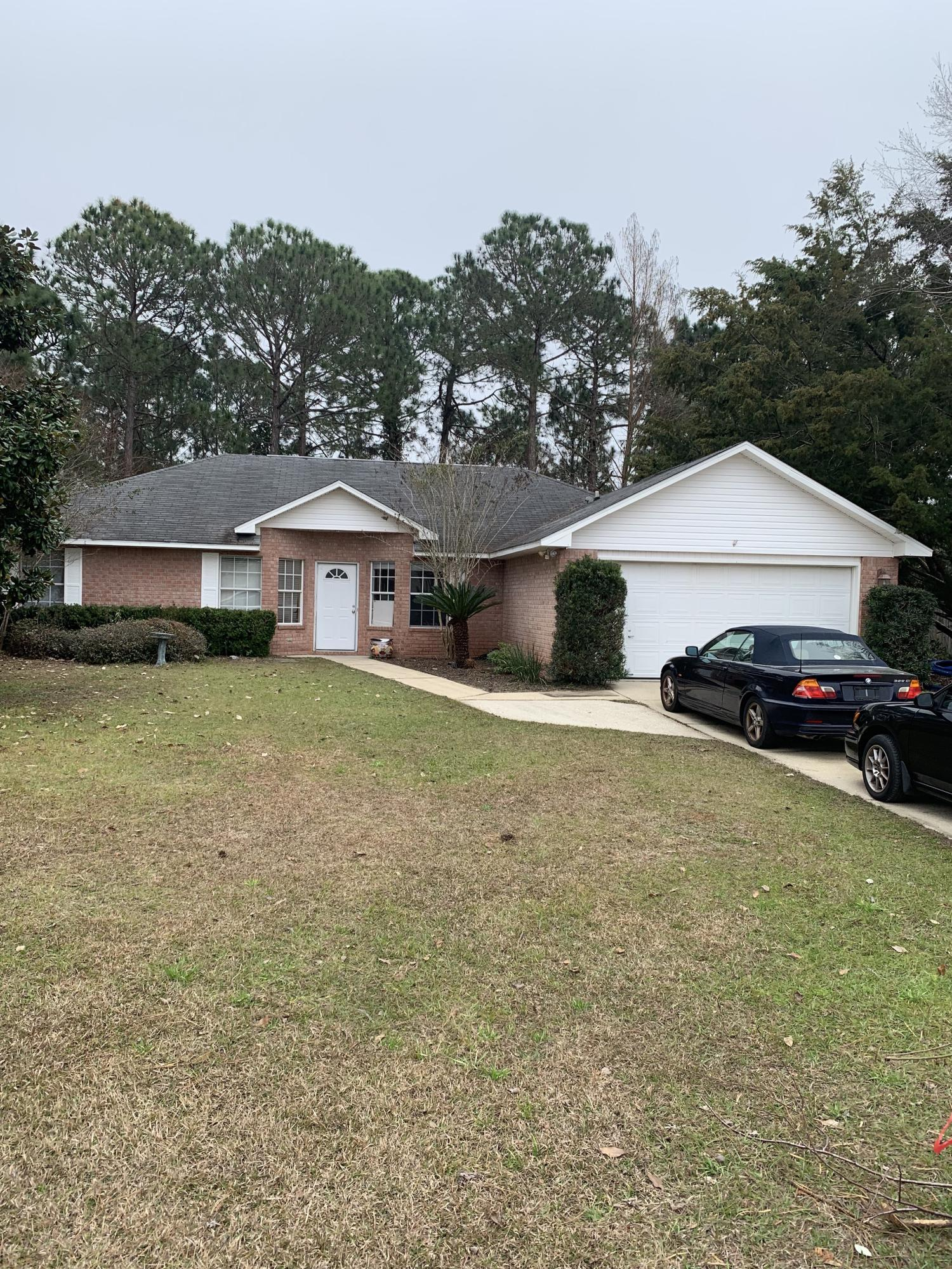 Photo of home for sale at 4425 Southminster, Niceville FL